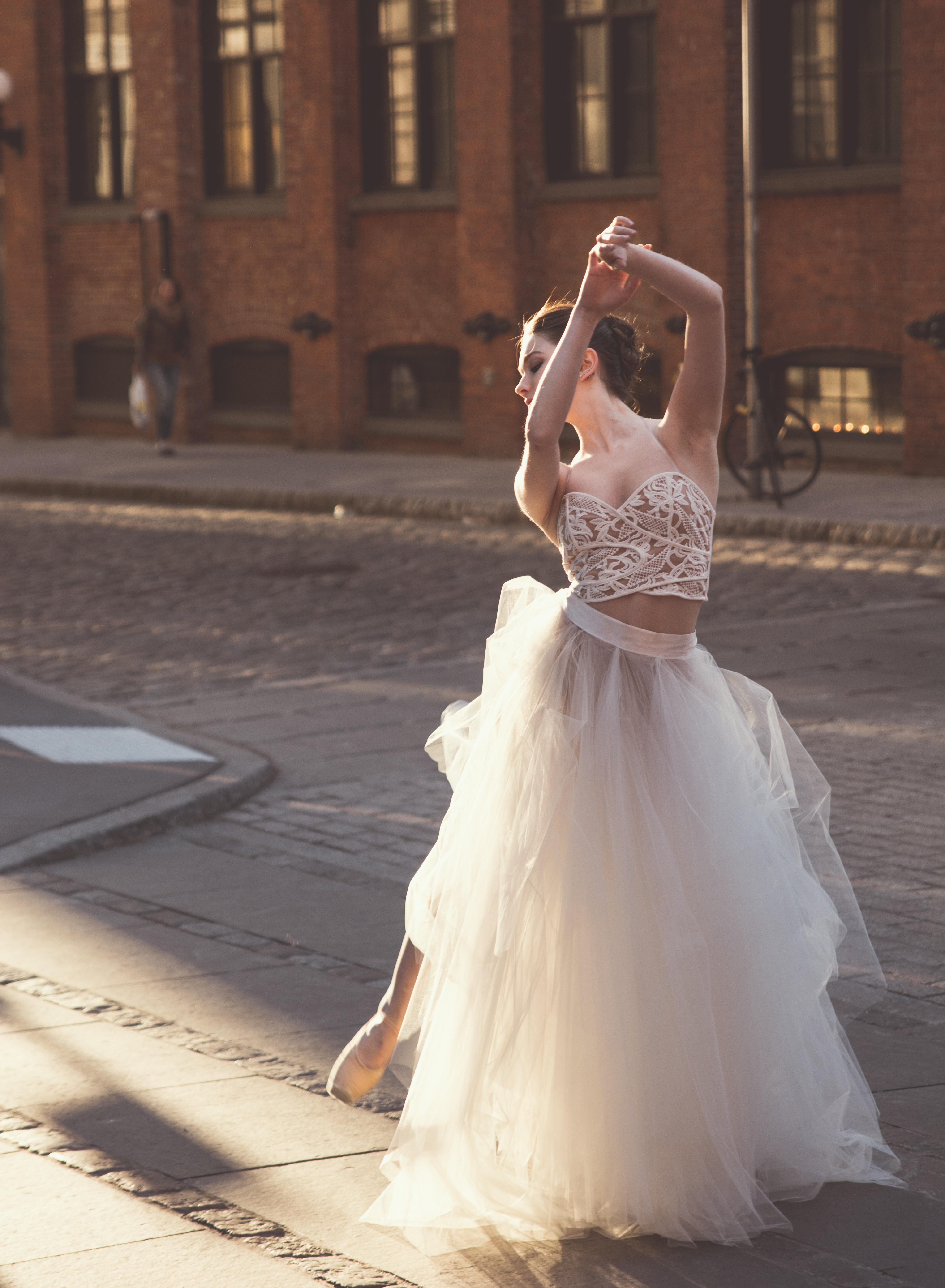 Kostenlose foto : Person, Frau, Weiß, Straße, Mode, Kleidung ...