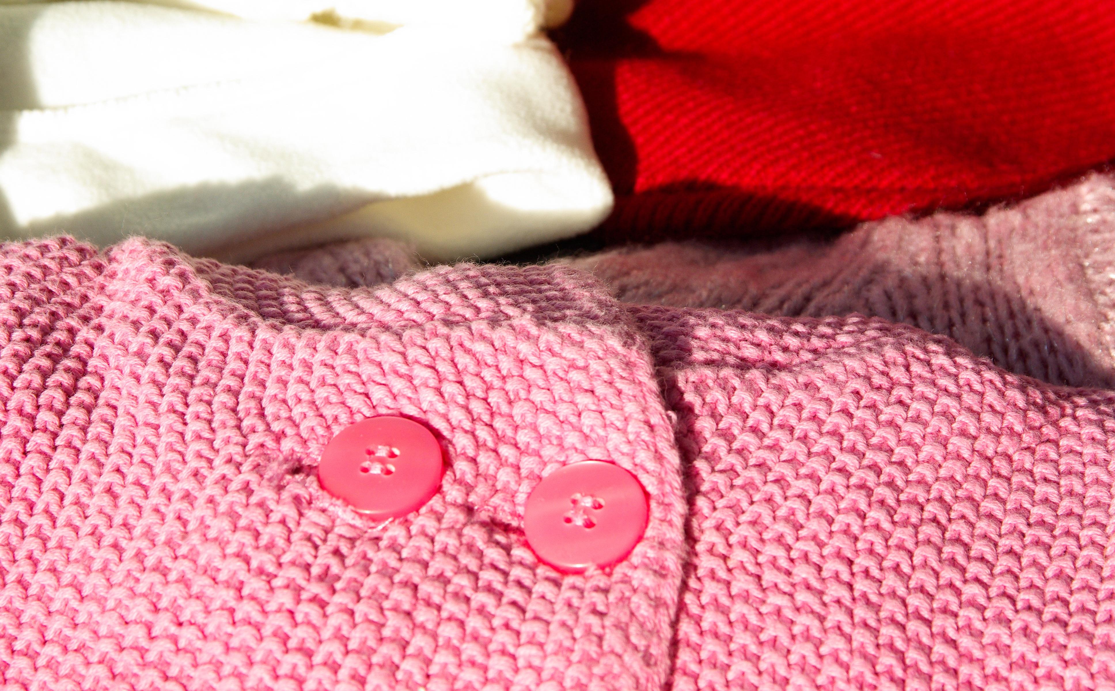 okvětní lístek vzor Červené růžový materiál háčkování pletení textil umění  design tlačítka vesta svetr 24353482ca