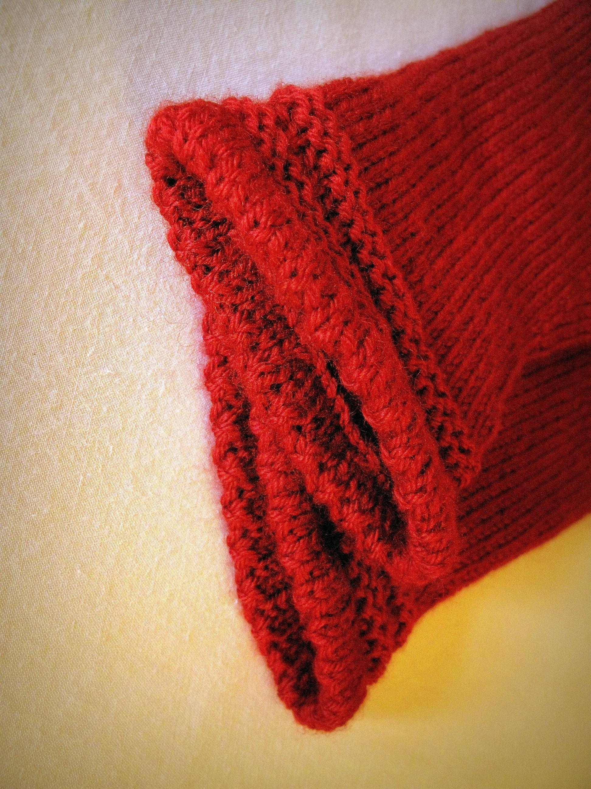 b7a0da21 petal rød høst klær klut ull hekle strikking tekstil Kunst stil myk  strikket tilbehør motetilbehør votter