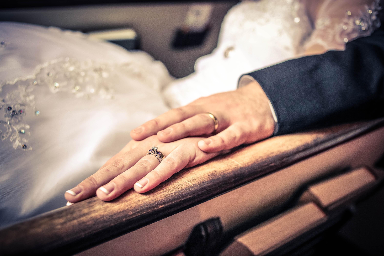 Картинка кольцо свадебное платье