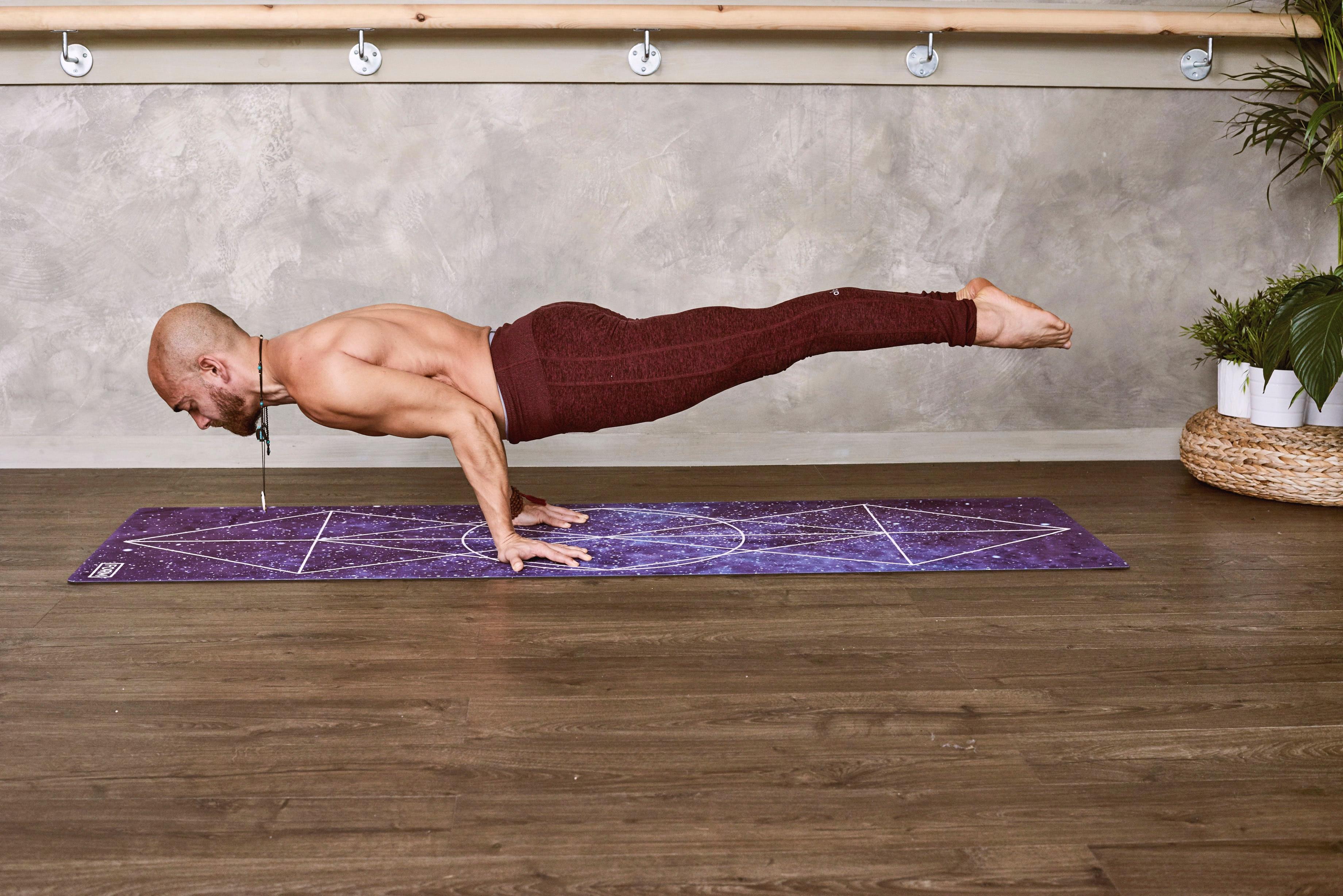 Images Gratuites Forme Physique Tapis De Yoga Bras Epaule Mixte Jambe Planche Exercice Etirage Appuyer Vers Le Haut Le Genou Corps Humain Muscle Sol Poitrine Equilibre Tronc Tenue De Sport Abdomen