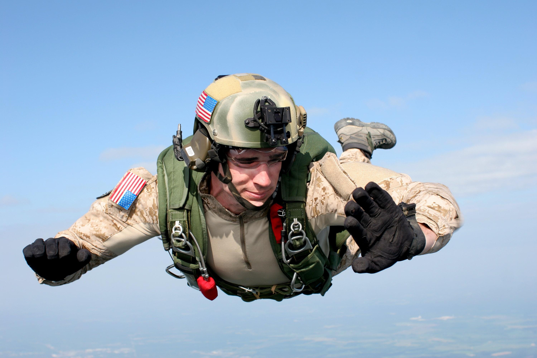 parachutisme sportif militaire