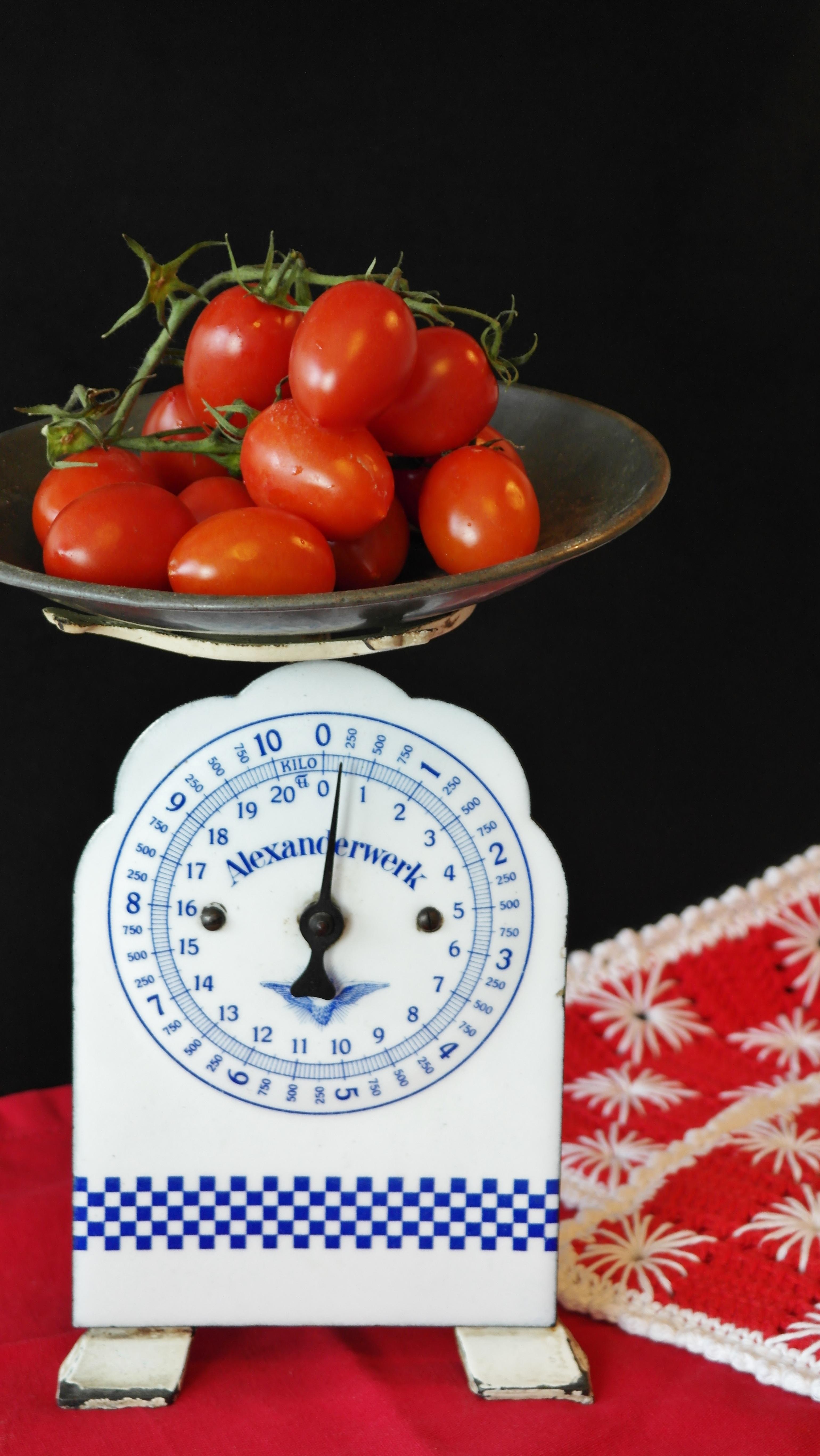 Gambar Menanam Antik Buah Tua Makan Makanan Salad Merah Menghasilkan Sayur Mayur Dapur Menimbang Sehat Masih Hidup Tomat Kalori Sayuran