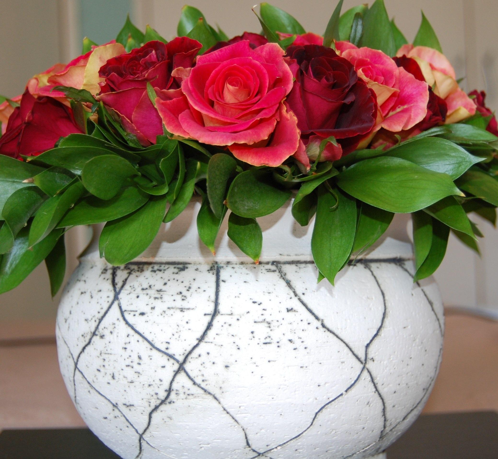 Afskårne Roser gratis billeder : blomst, vase, romantik, roser, kunst, blomstrende
