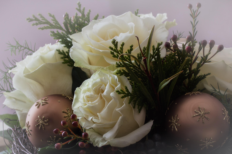 Новогодняя картинка с цветами