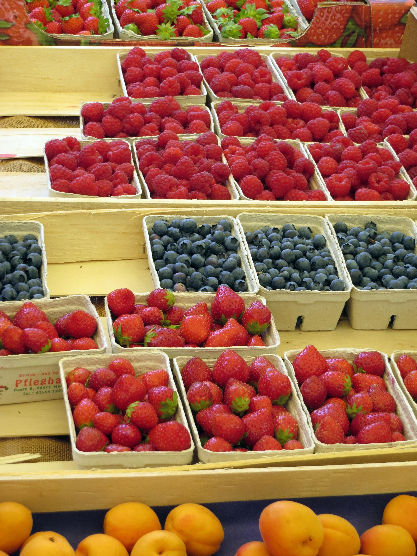 menanam buah makanan menghasilkan pasar pasar stroberi tempat umum berry pameran bluberi raspberi buah buahan