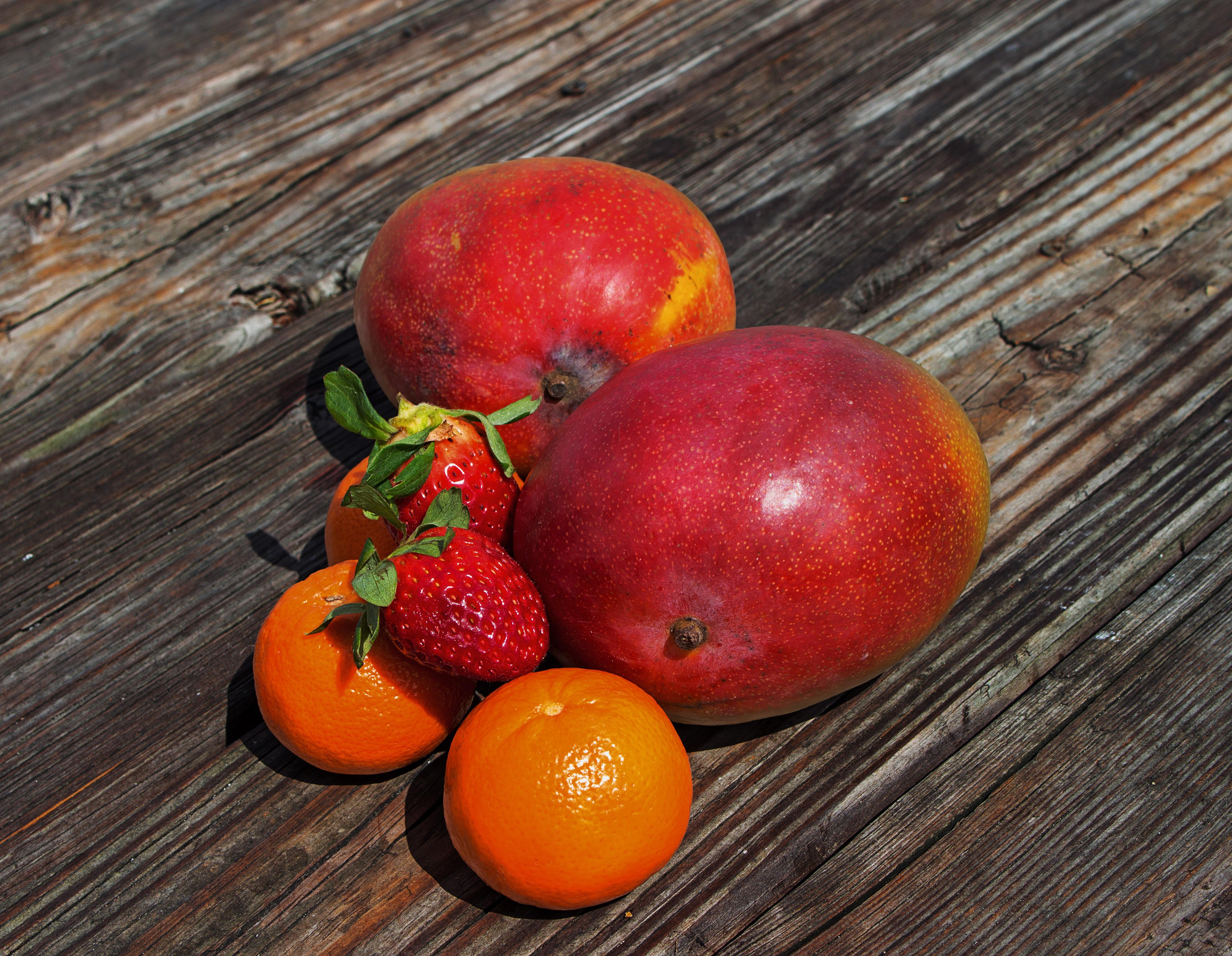 Fotoğraf Gıda Kırmızı üretmek Boyama Tropikal Meyve Mango
