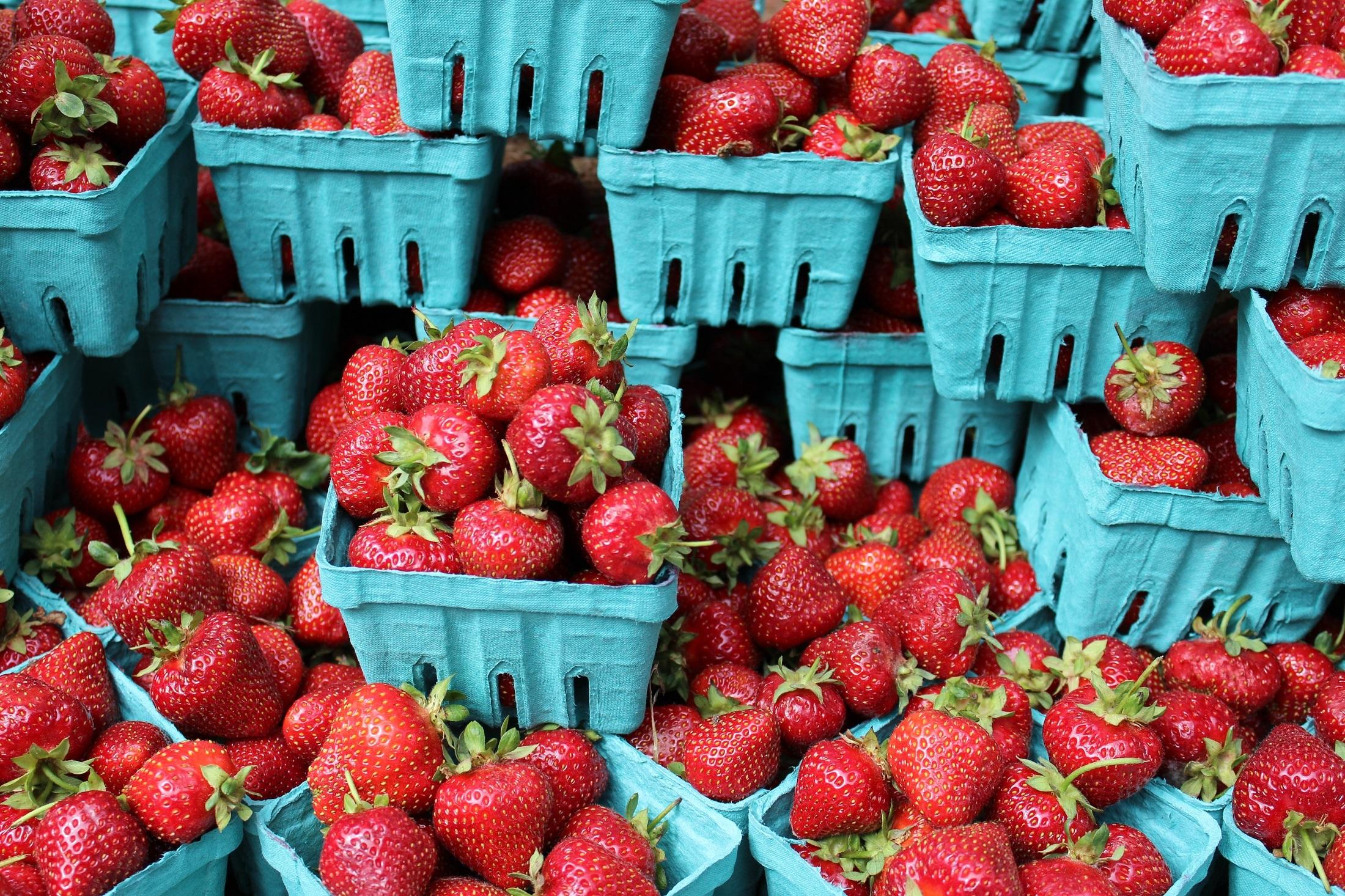 menanam buah matang makanan merah panen bahan menghasilkan tanaman segar pasar pasar warna warni berair