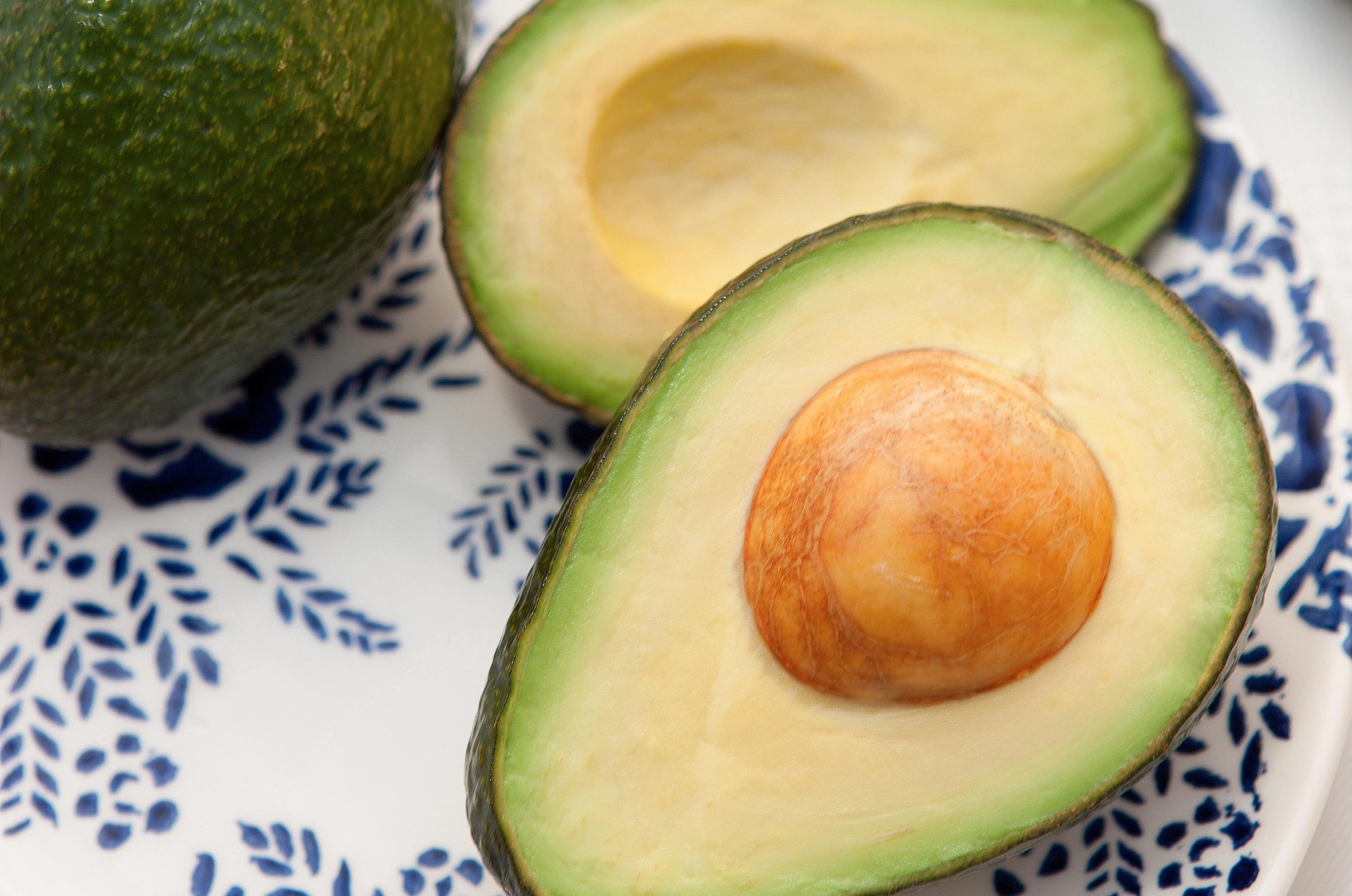 how to keep avocado fresh when cut