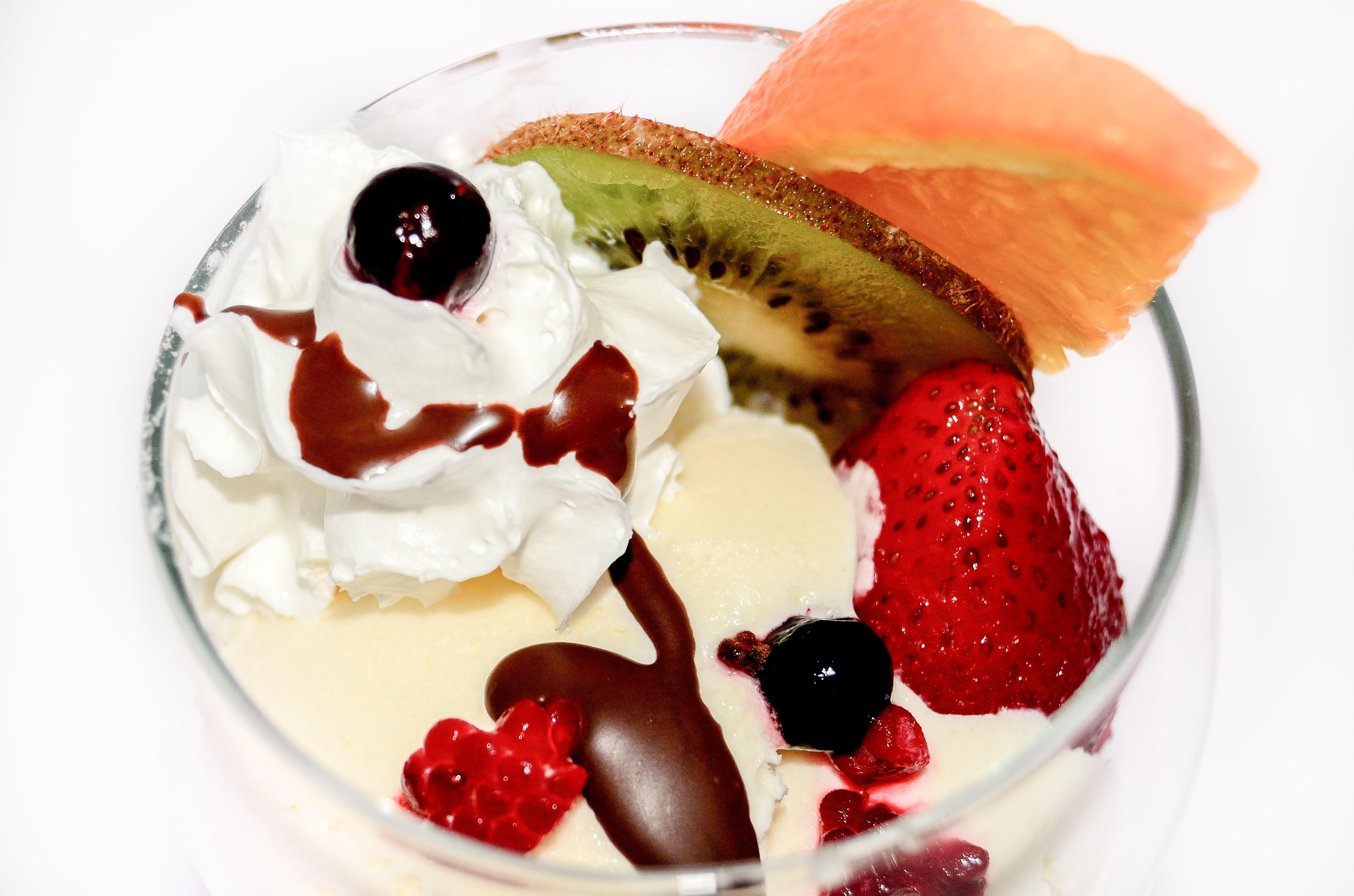 фото мороженое с фруктами на блюде прихожую заносится грязь