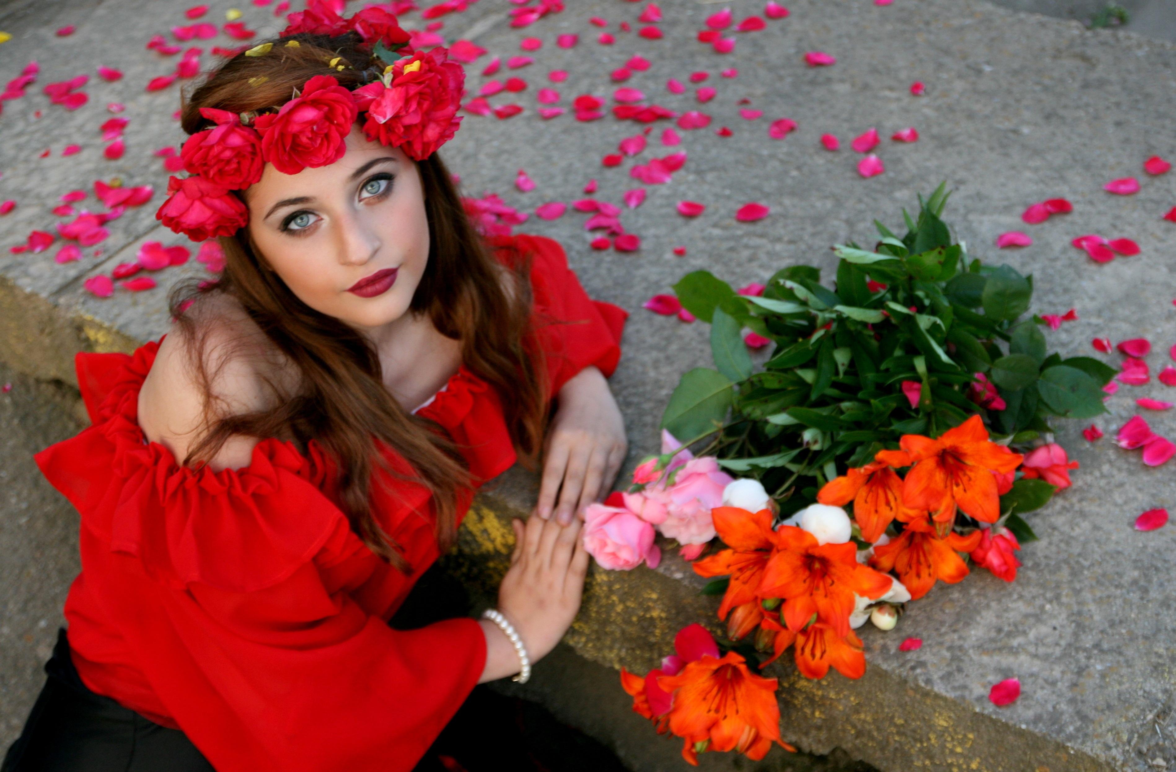 Картинки фото девушки с цветами