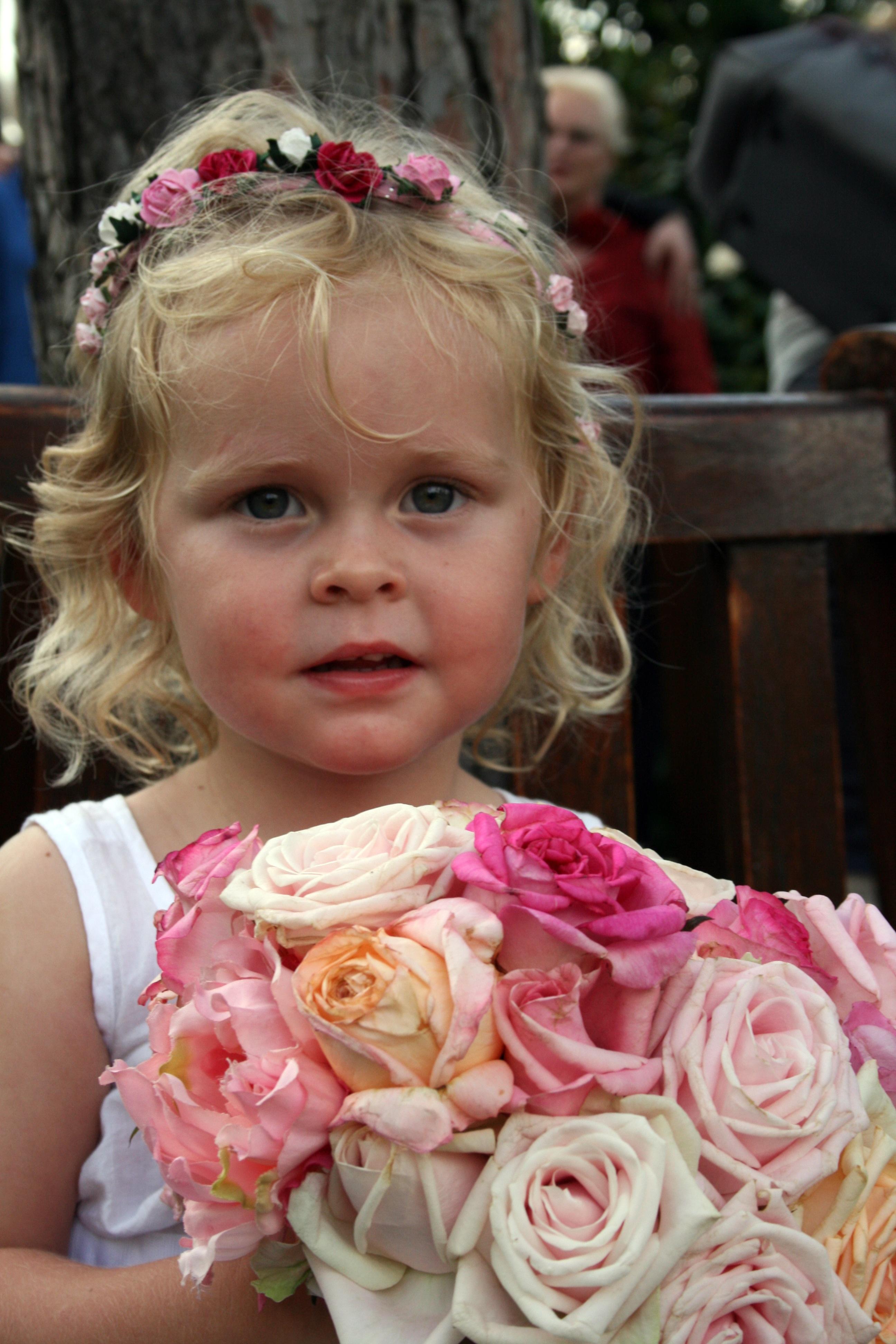 Kostenlose foto : Pflanze, Mädchen, Haar, Blume, niedlich, Blumen ...