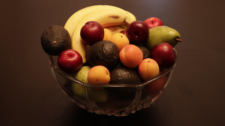 Fotoğraf Ahşap Meyve Karanlık Kase Gıda Kırmızı üretmek