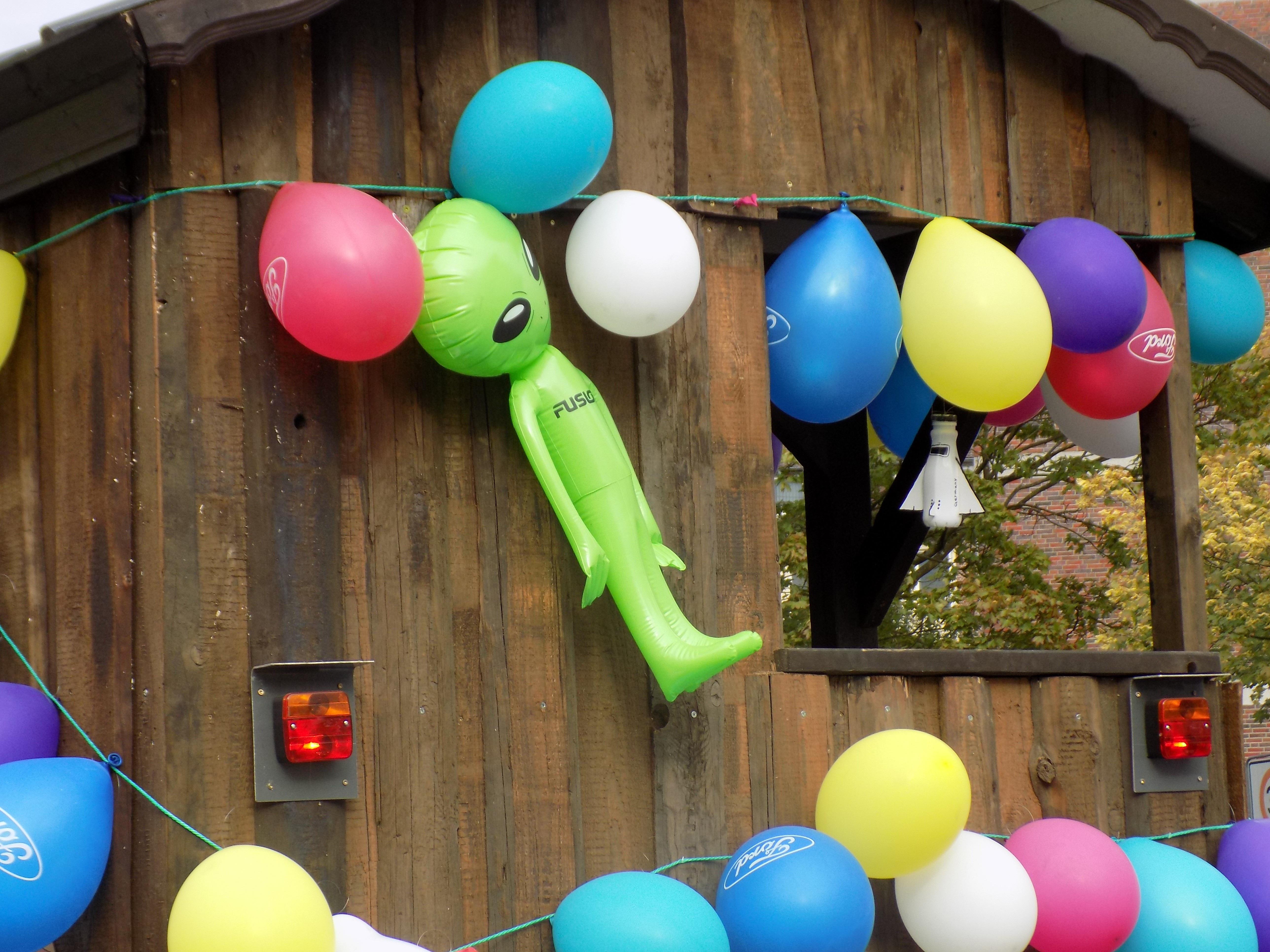 Kostenlose foto : spielen, Ballon, Grün, Karneval, Farbe, blau ...