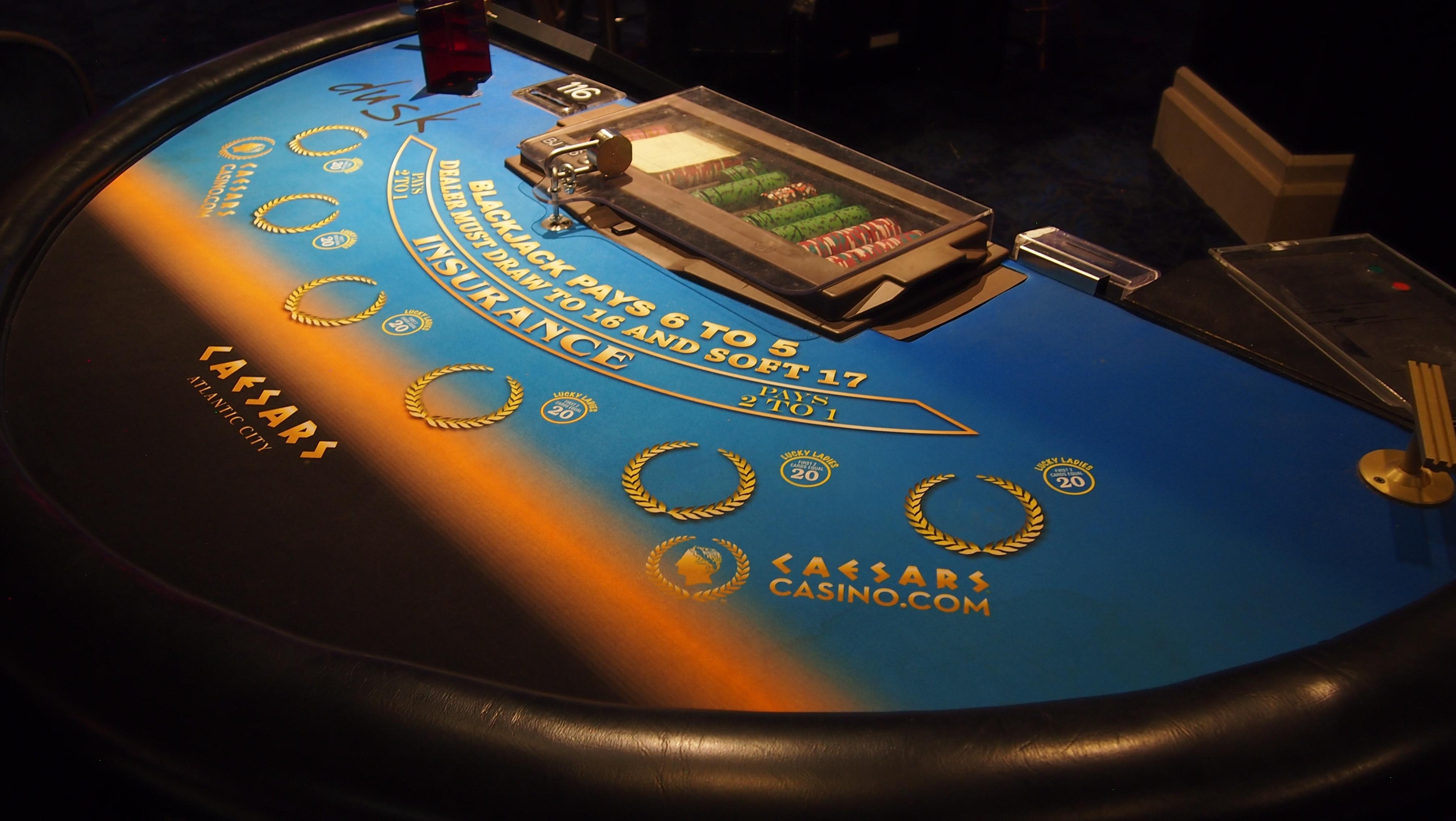 научиться онлайн бесплатно играть в покер