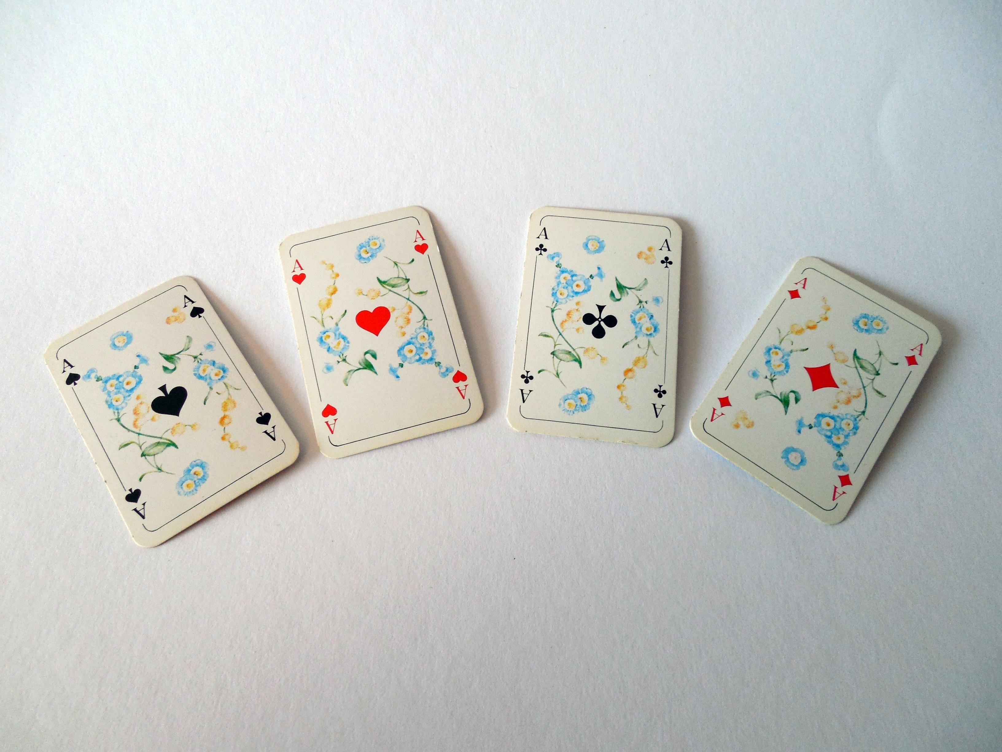 Азартные игры в изобразительном искусст игровые развлекательные аппараты бу куплю