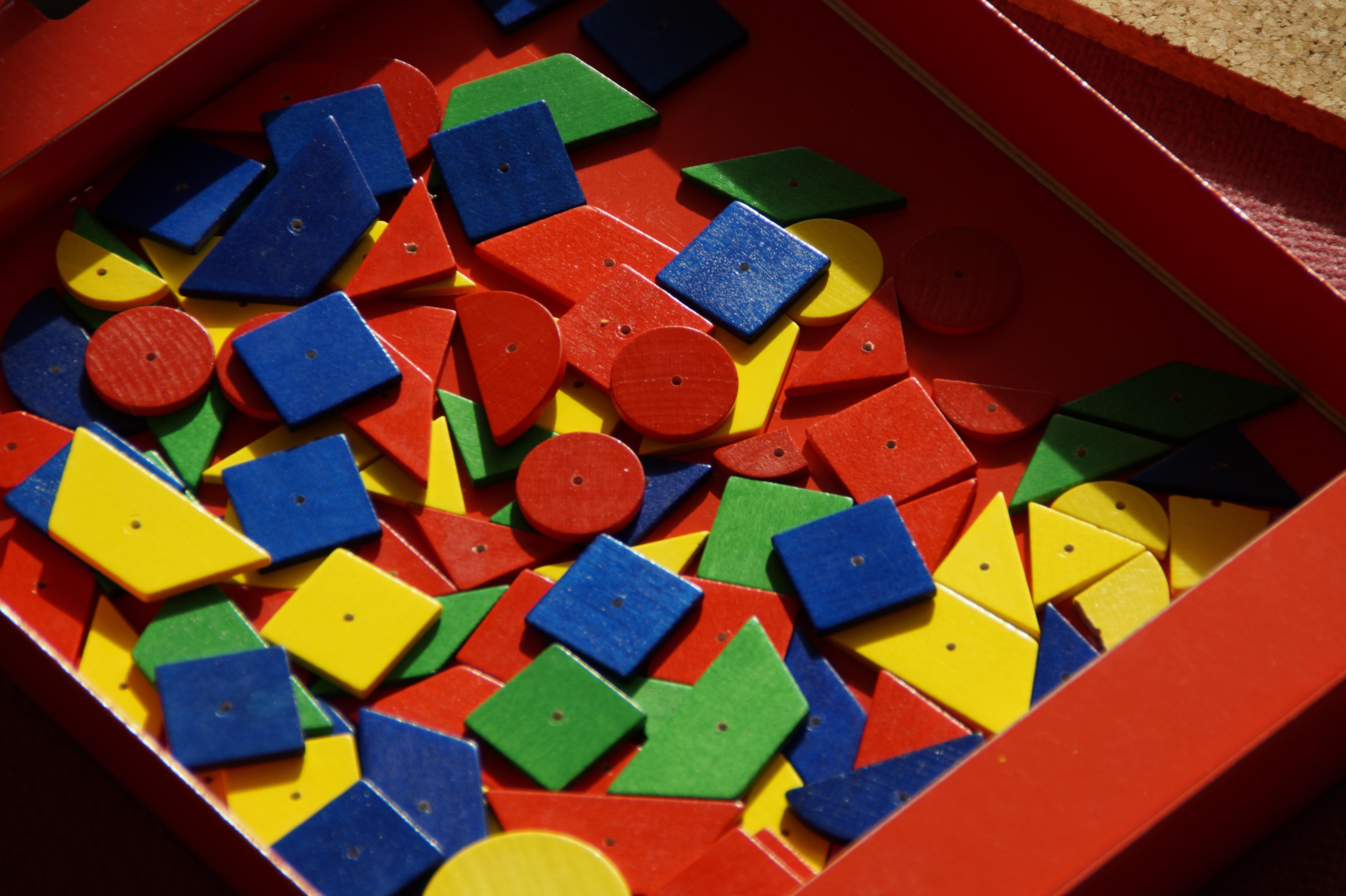 fotos gratis jugar nmero rojo martillo color nio azul vistoso juguete art tablones jardn de infancia construir juegos forma juguetes