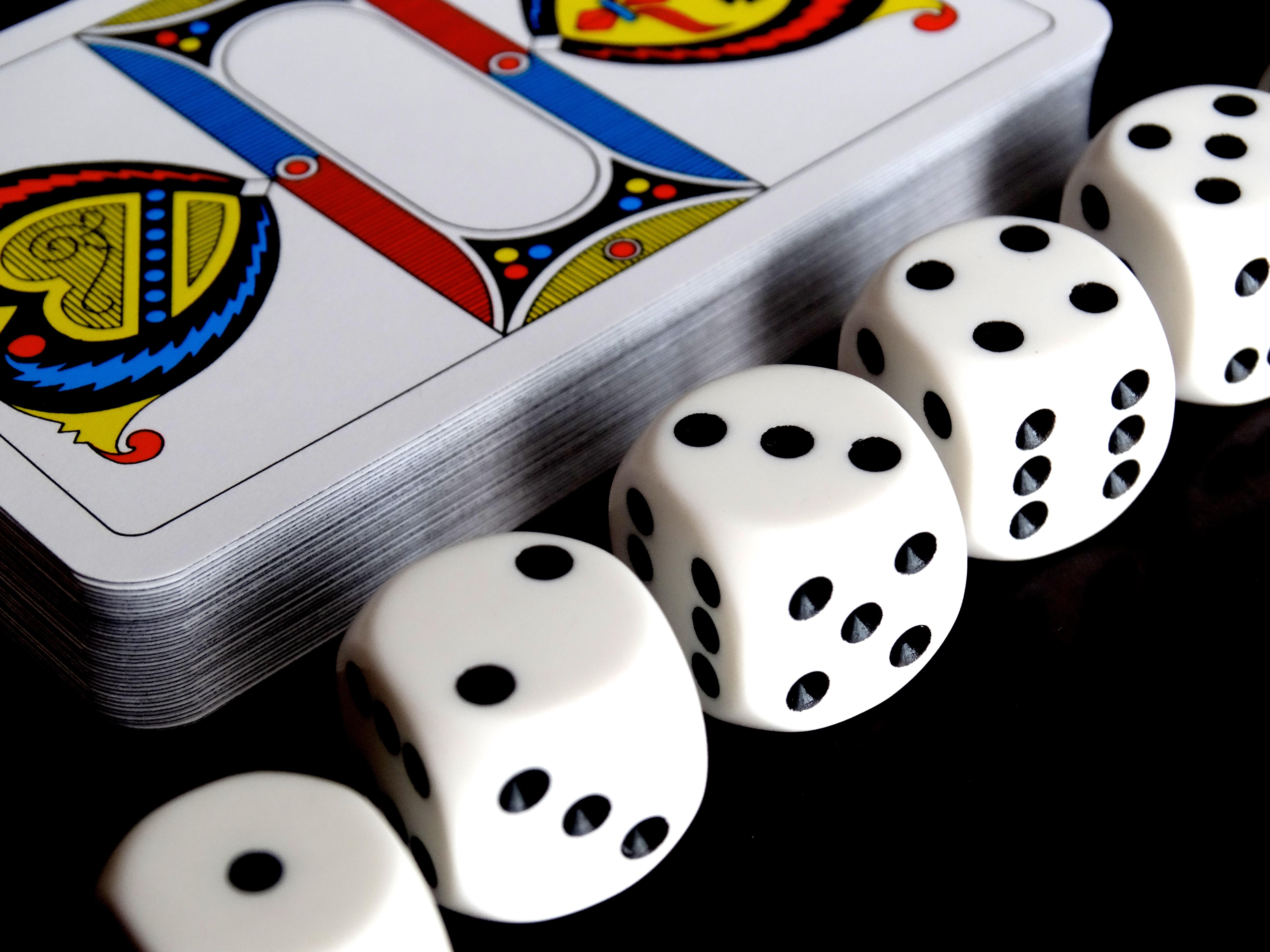 Играть в казино карты как играть в покер с 36 картами видео