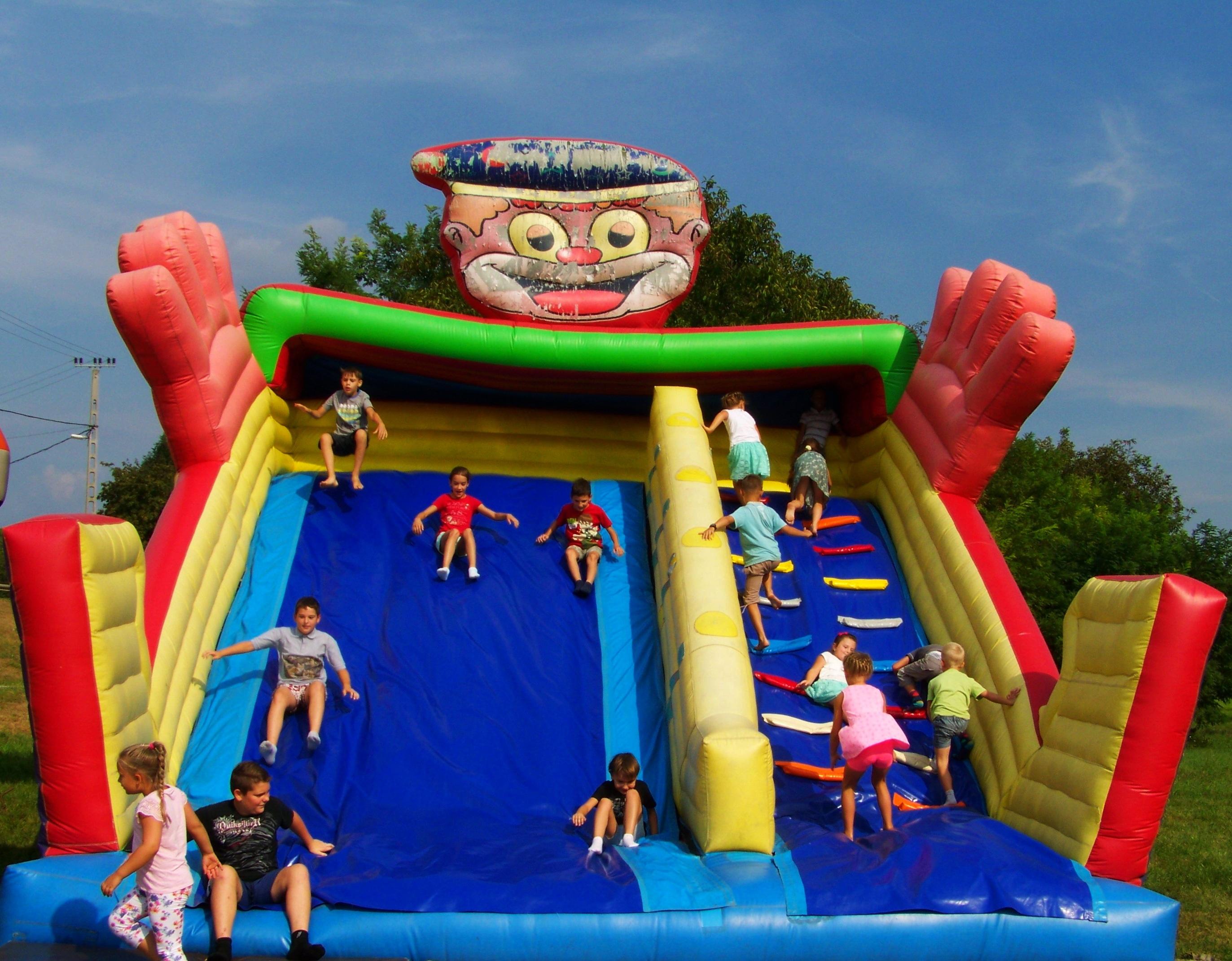 Fotos Gratis Jugar Recreacion Saltando Parque De Atracciones