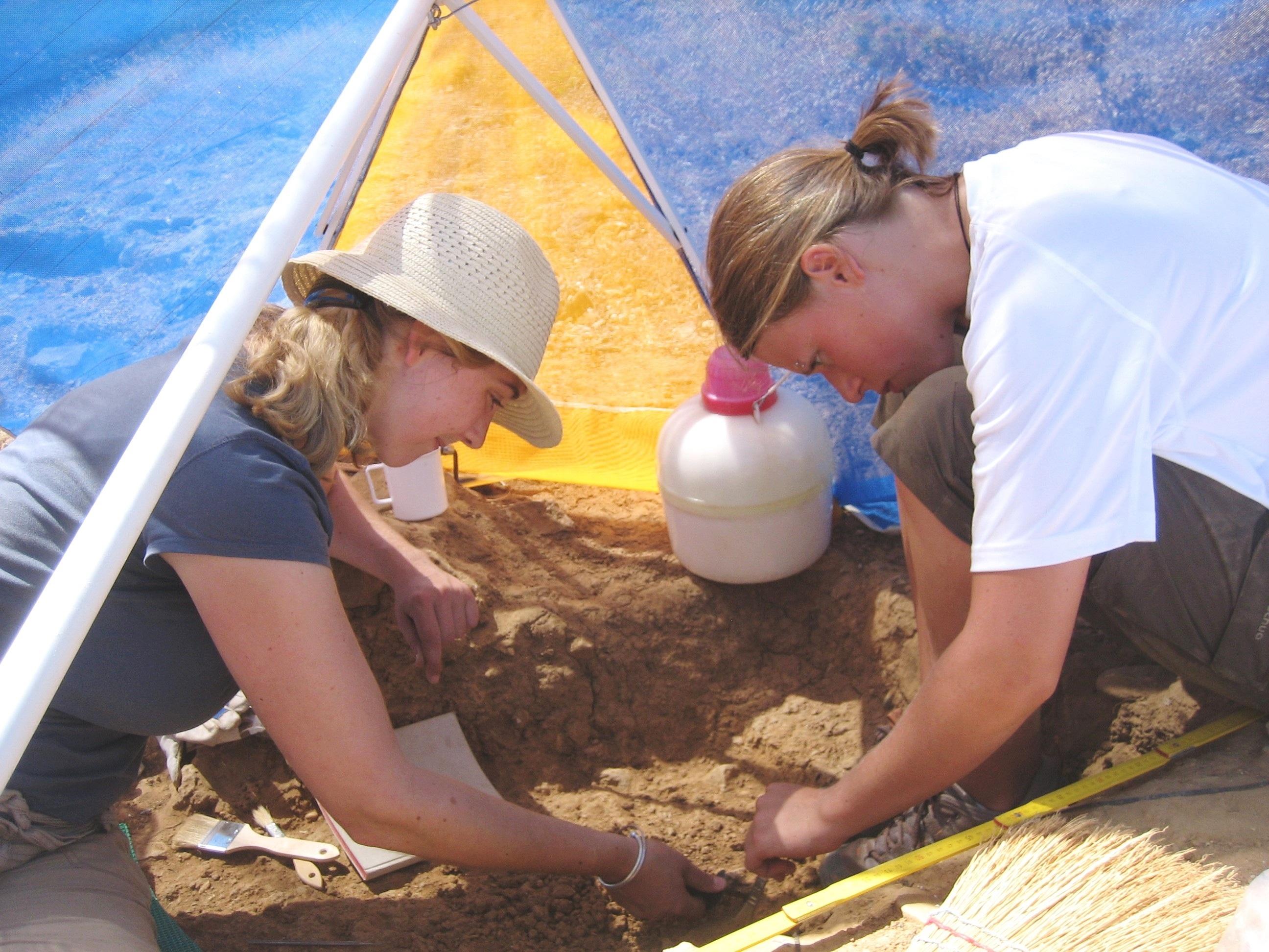 kostenlose foto  spielen ferien kind archäologie