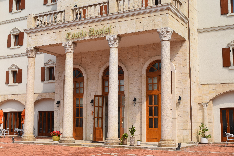 Fotos gratis enviar arquitectura palacio pueblo - Hotel puerta del arco ...