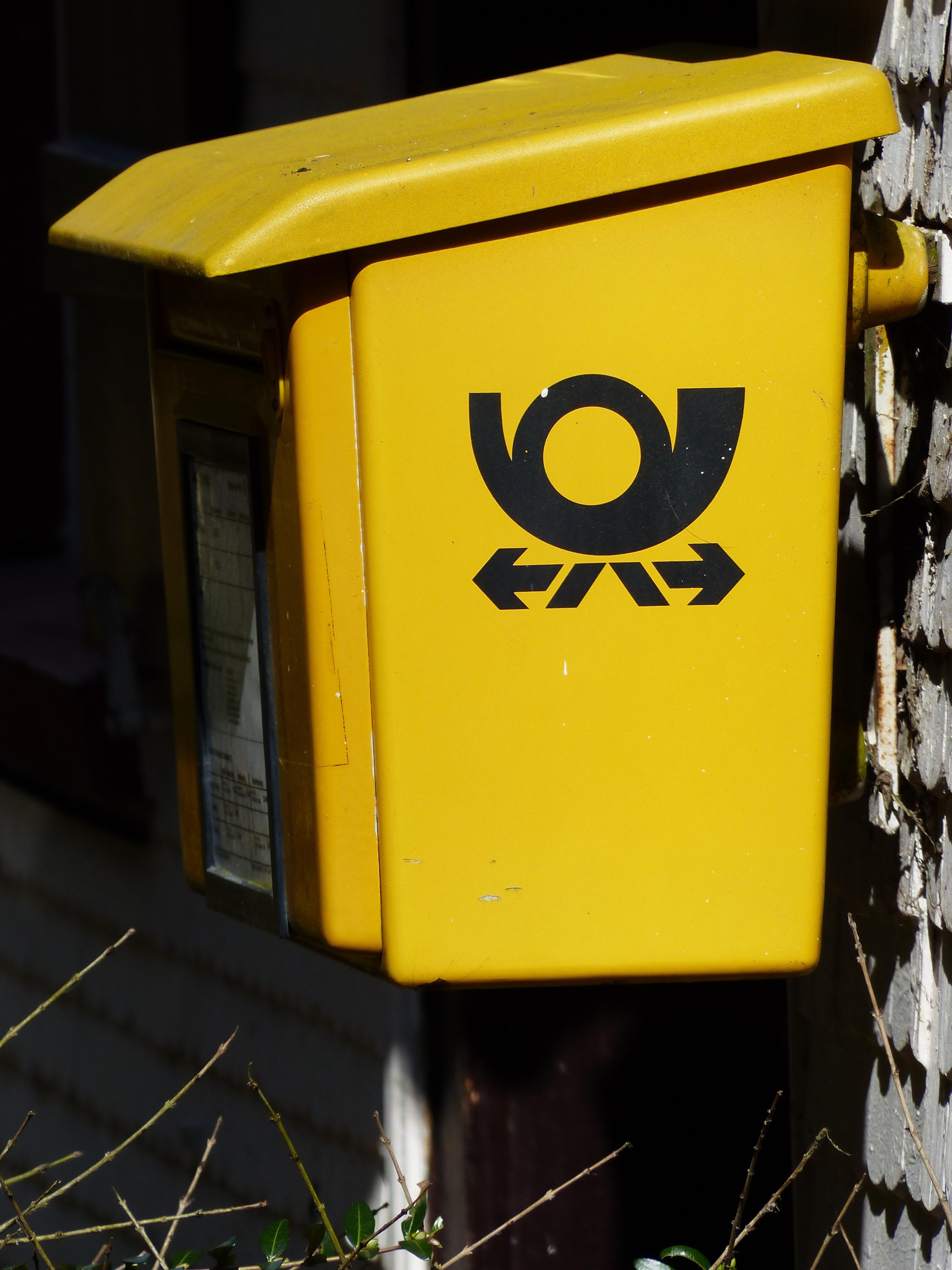 kostenlose foto nummer schild fahrzeug farbe box gelb beleuchtung briefkasten briefe. Black Bedroom Furniture Sets. Home Design Ideas