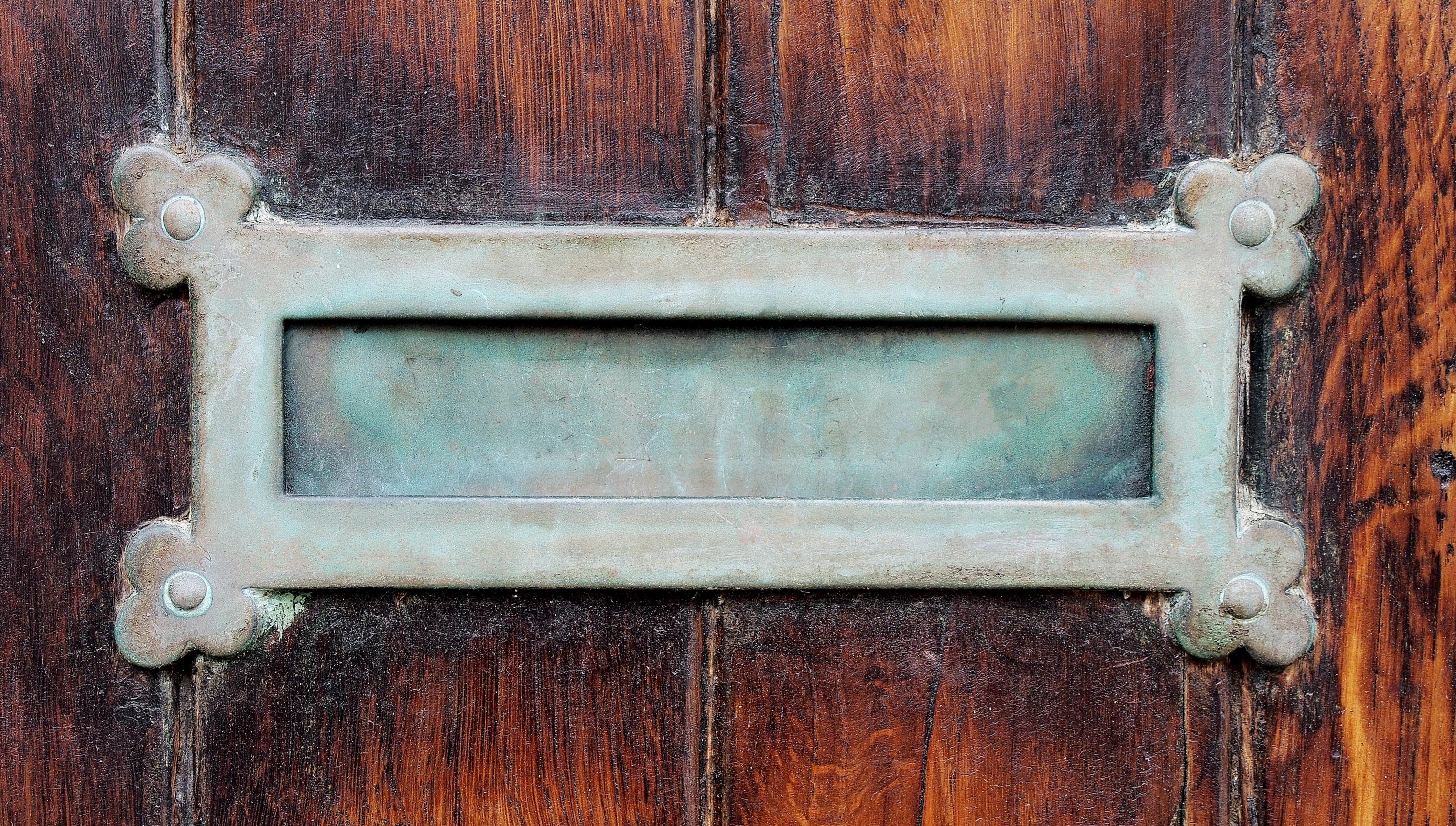 Fotos gratis : enviar, madera, antiguo, ventana, pared, carta, metal ...