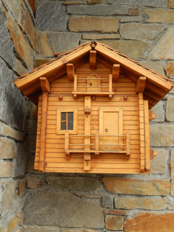 Fotos gratis : enviar, edificio, cobertizo, choza, fachada, buzón ...