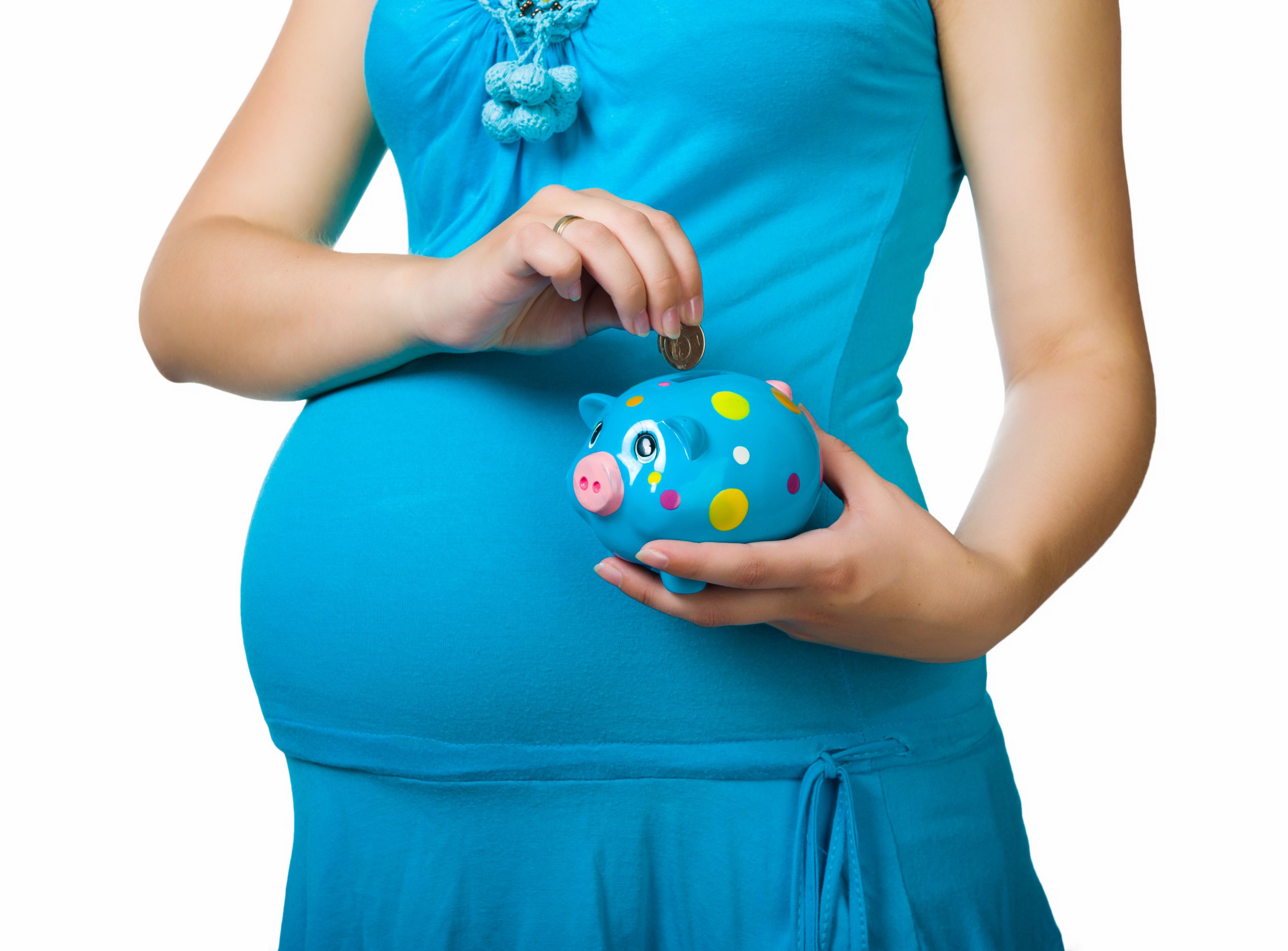 dc0d1cc2f embarazada azul vestir cerdito banco turquesa hombro sonreír azul eléctrico  cuello niño articulación estómago felicidad