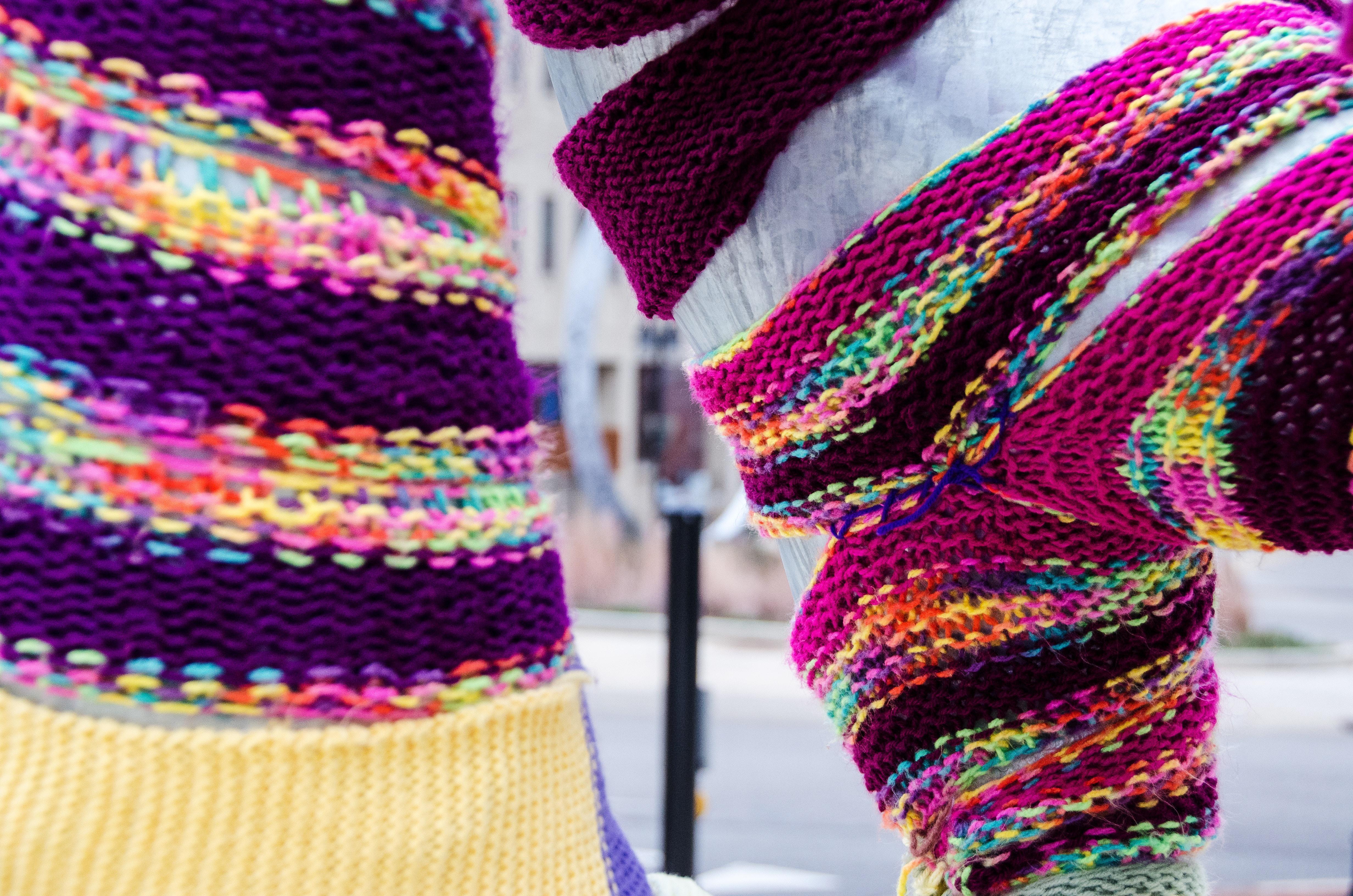 Fotos gratis : púrpura, patrón, color, ropa, rosado, bufanda, hilo ...