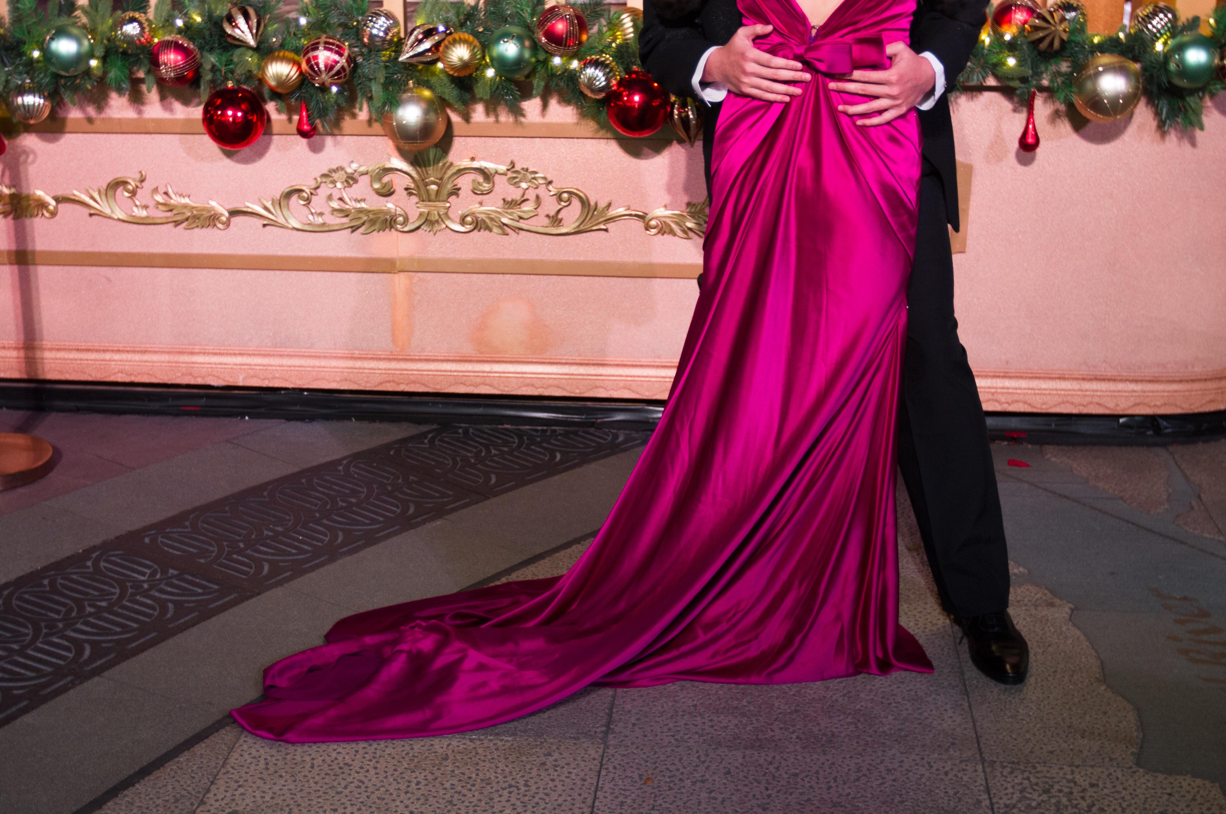 Fotos gratis : púrpura, rojo, color, Moda, ropa, rosado, novia ...