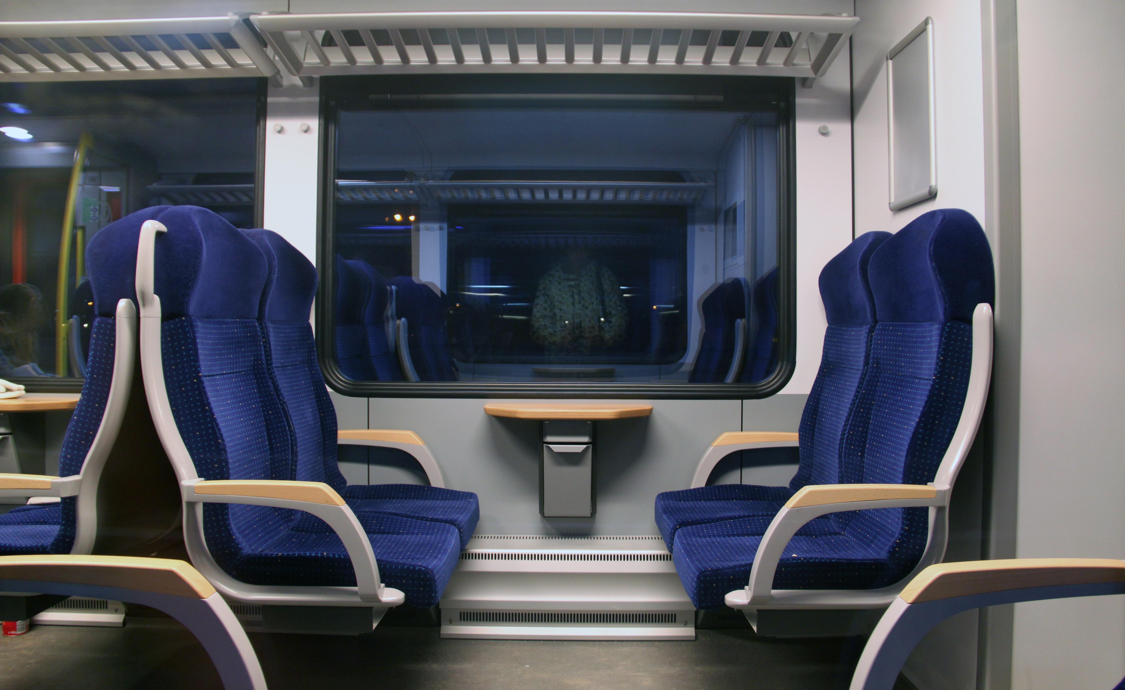 Gratis Afbeeldingen : spoorweg, zitplaats, trein, vervoer-, voertuig ...