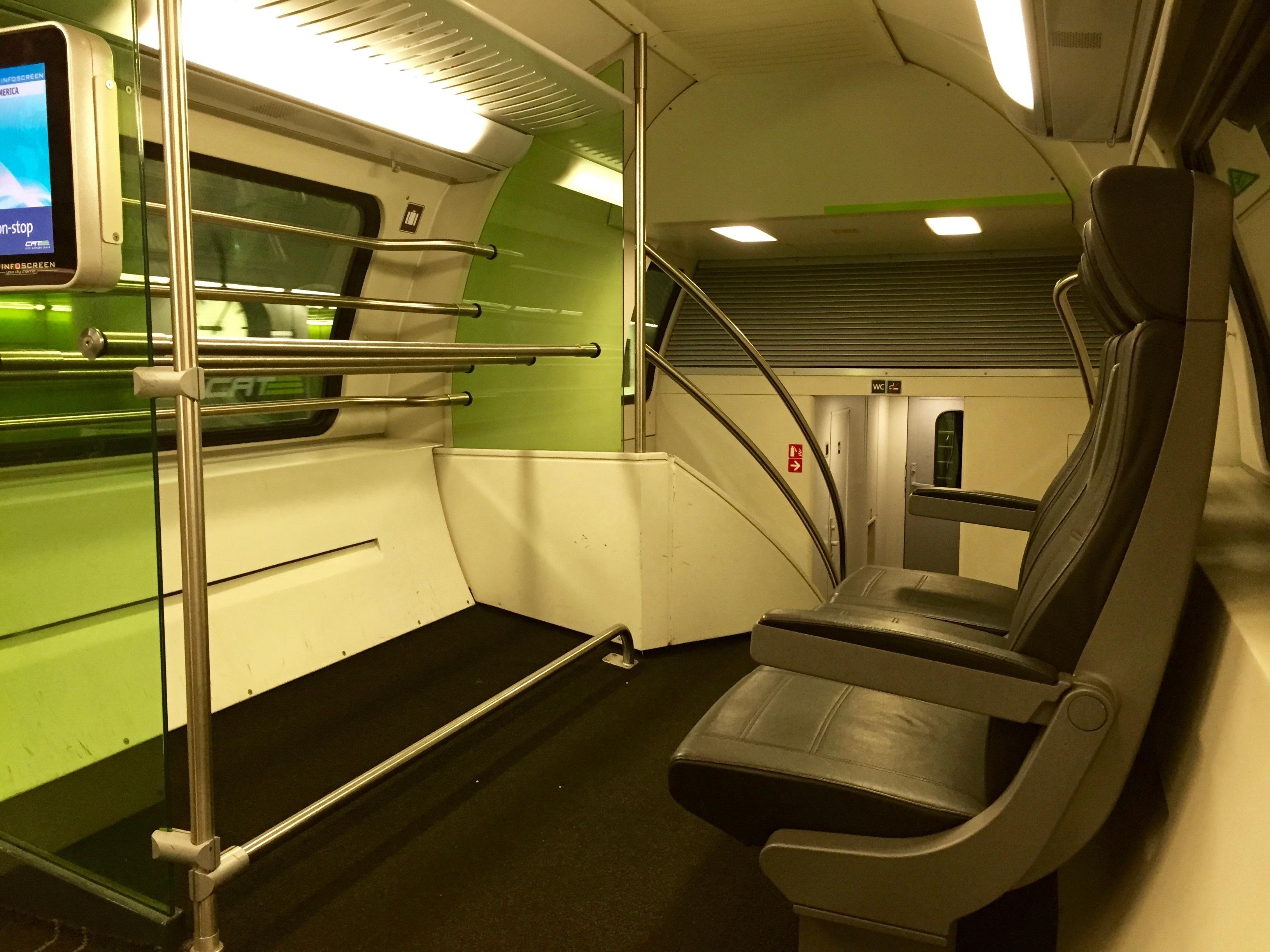 kostenlose foto : eisenbahn, transport, fahrzeug, öffentlicher, Innenarchitektur ideen
