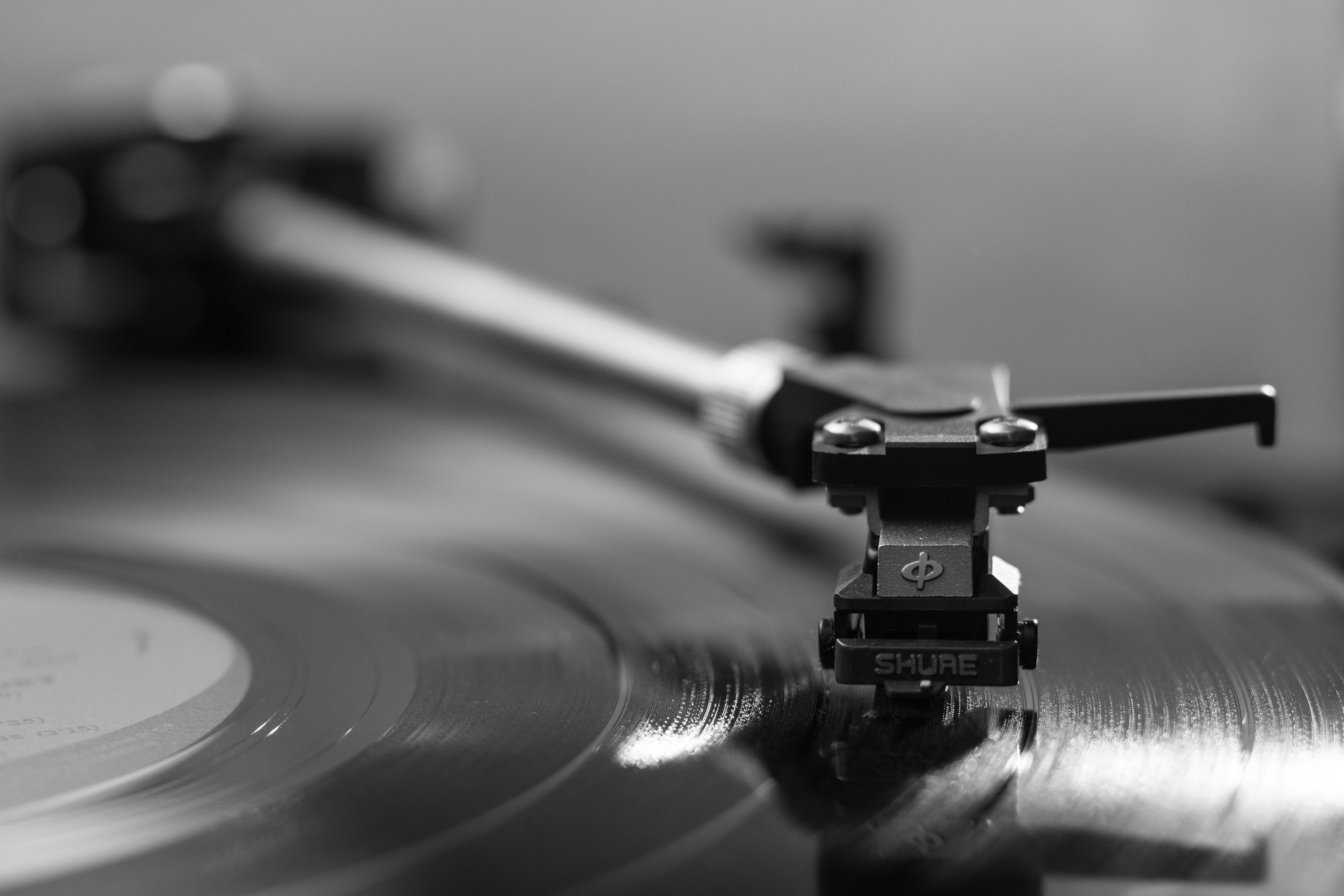 Record music vinyl turntable black and white technology photography vintage plastic reflection gadget black monochrome stylus