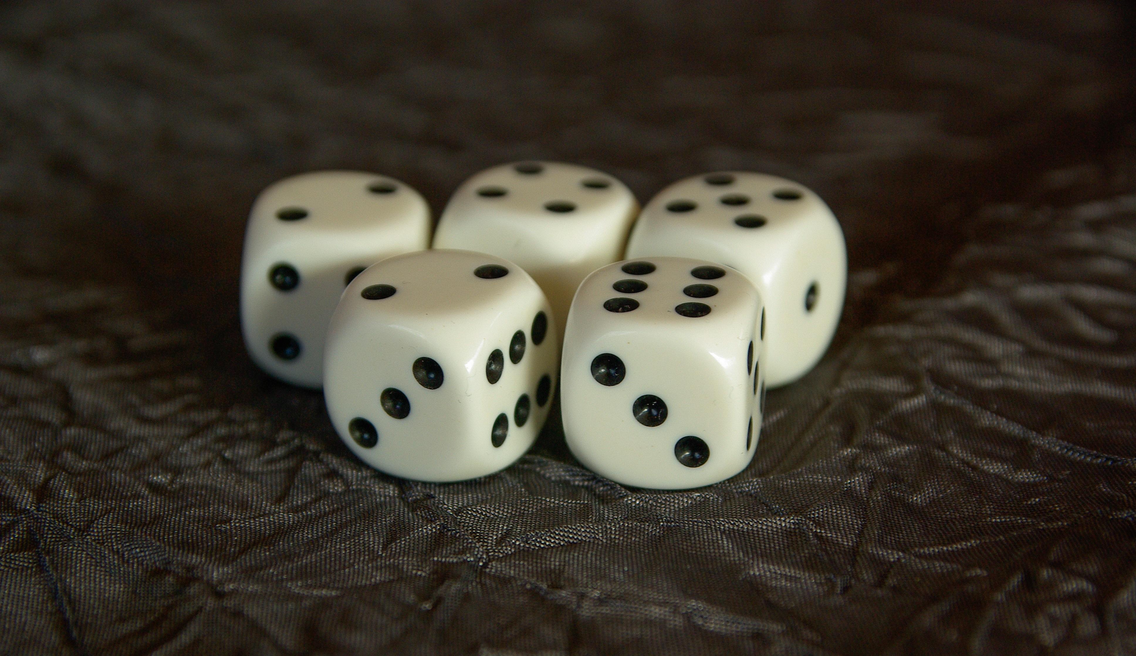 картинки кубиков для игры в кости самом деле цинерария