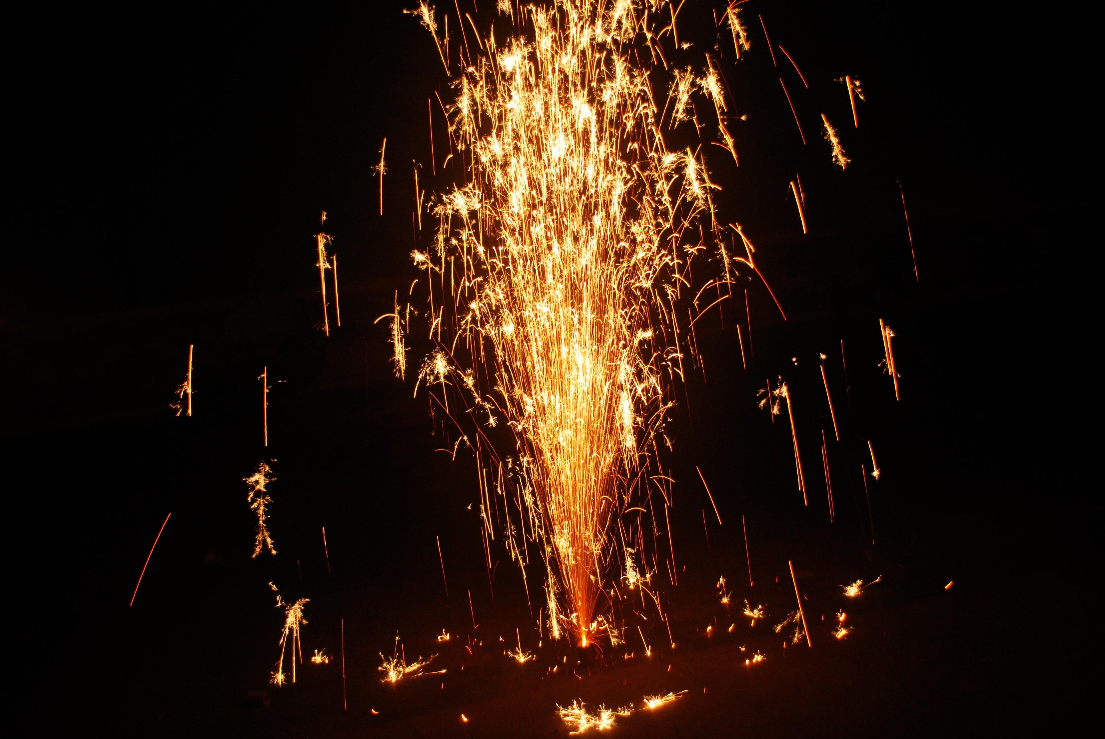 картинки пожар фейерверк отметить, что гости