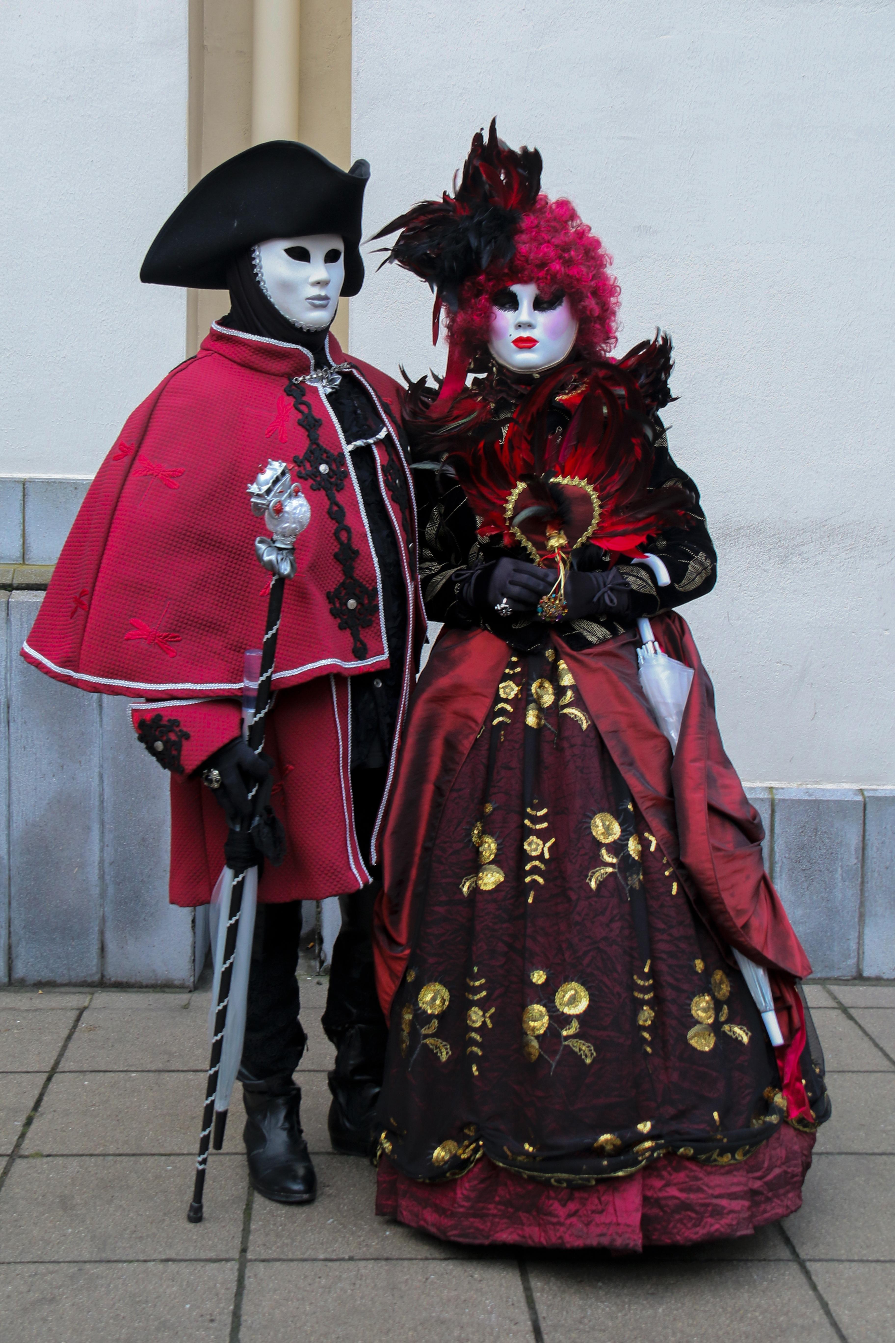 kostenlose foto rot karneval paar oberbekleidung festival maske verkleidung tradition. Black Bedroom Furniture Sets. Home Design Ideas