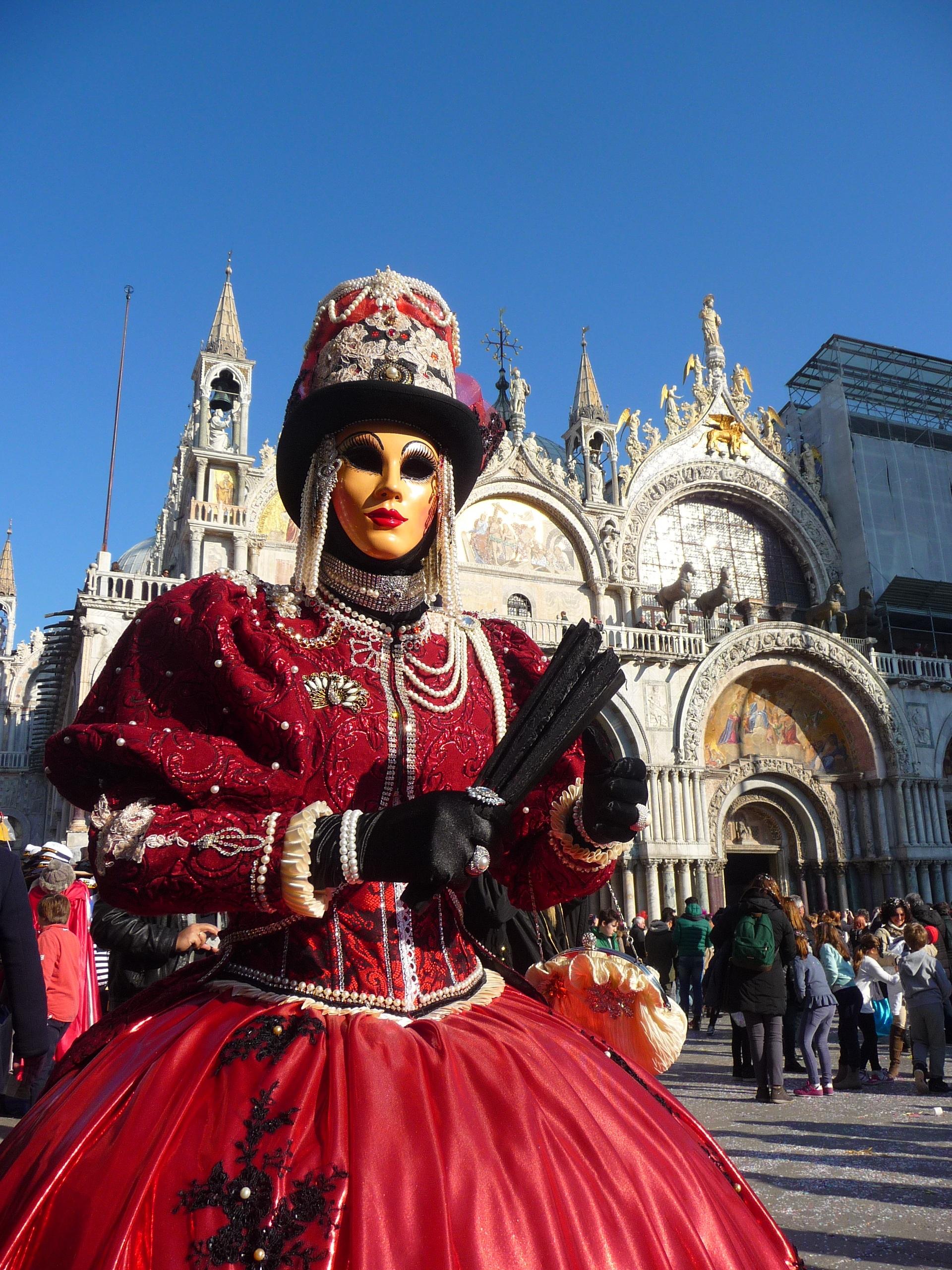kostenlose foto rot italien festival maske verkleidung event tradition kost m karneval. Black Bedroom Furniture Sets. Home Design Ideas