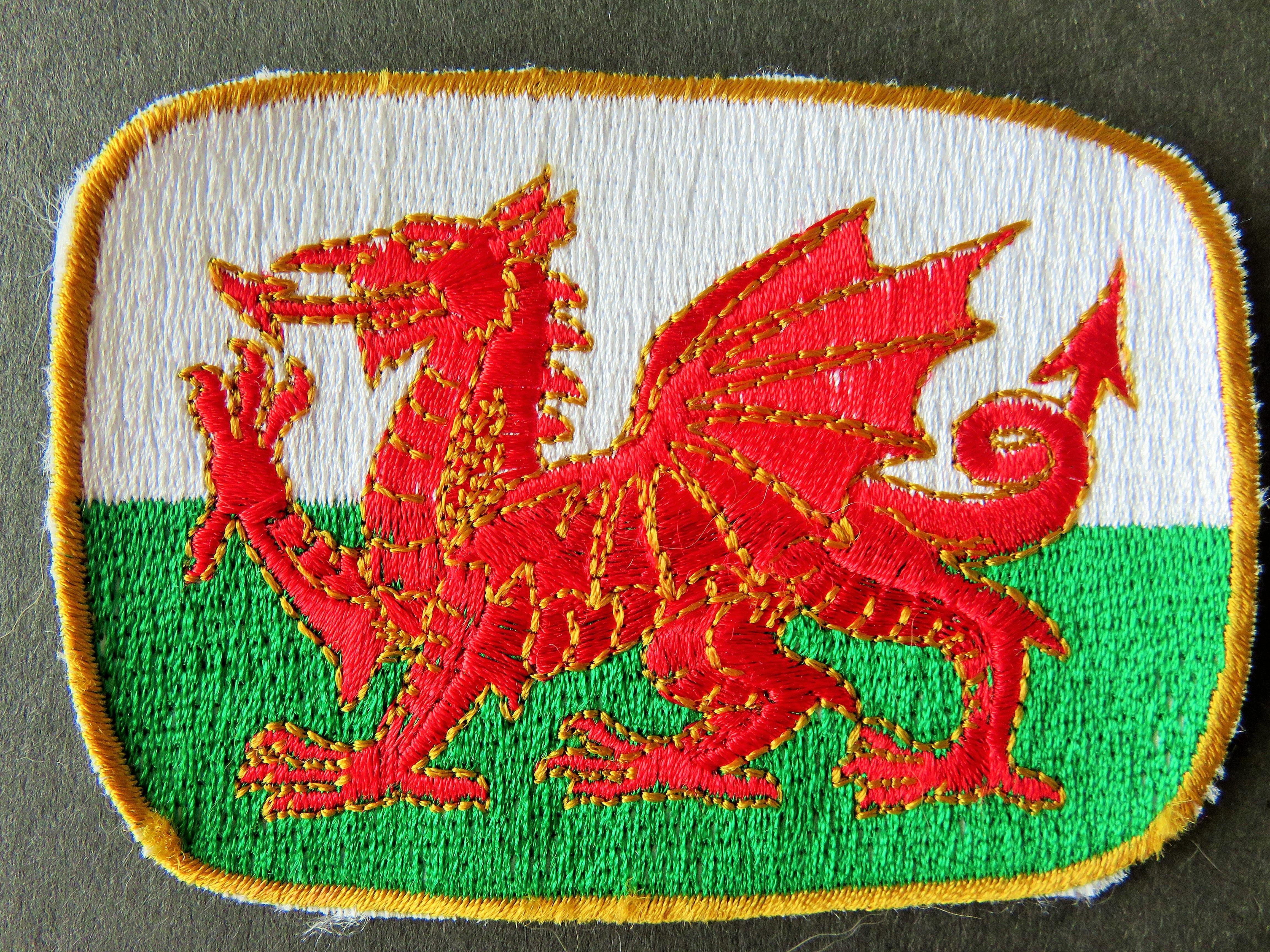 Fotos gratis : rojo, símbolo, bandera, emblema, cresta, nacional ...