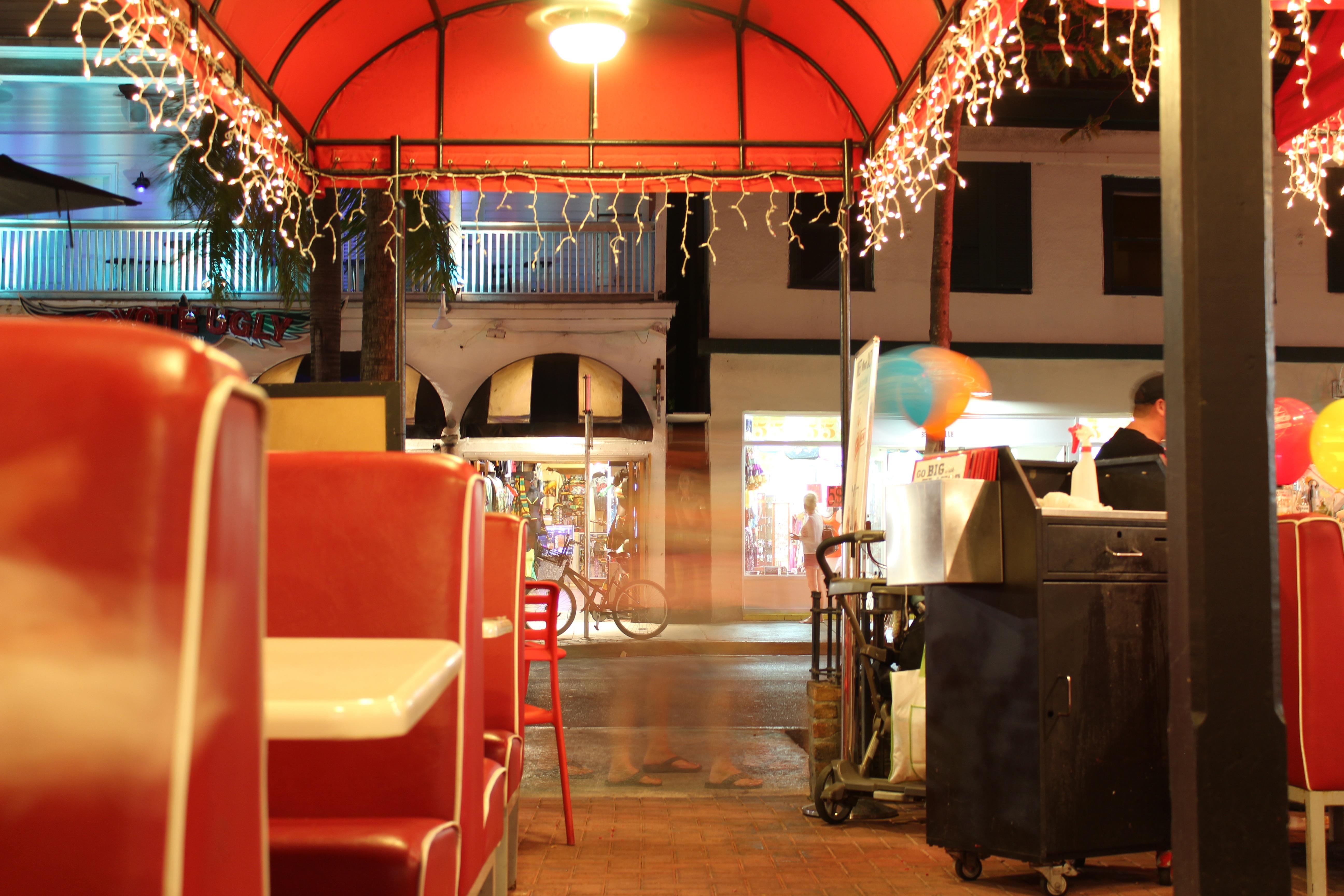 Fotos gratis restaurante bar comida rojo dise o de for Diseno interiores gratis