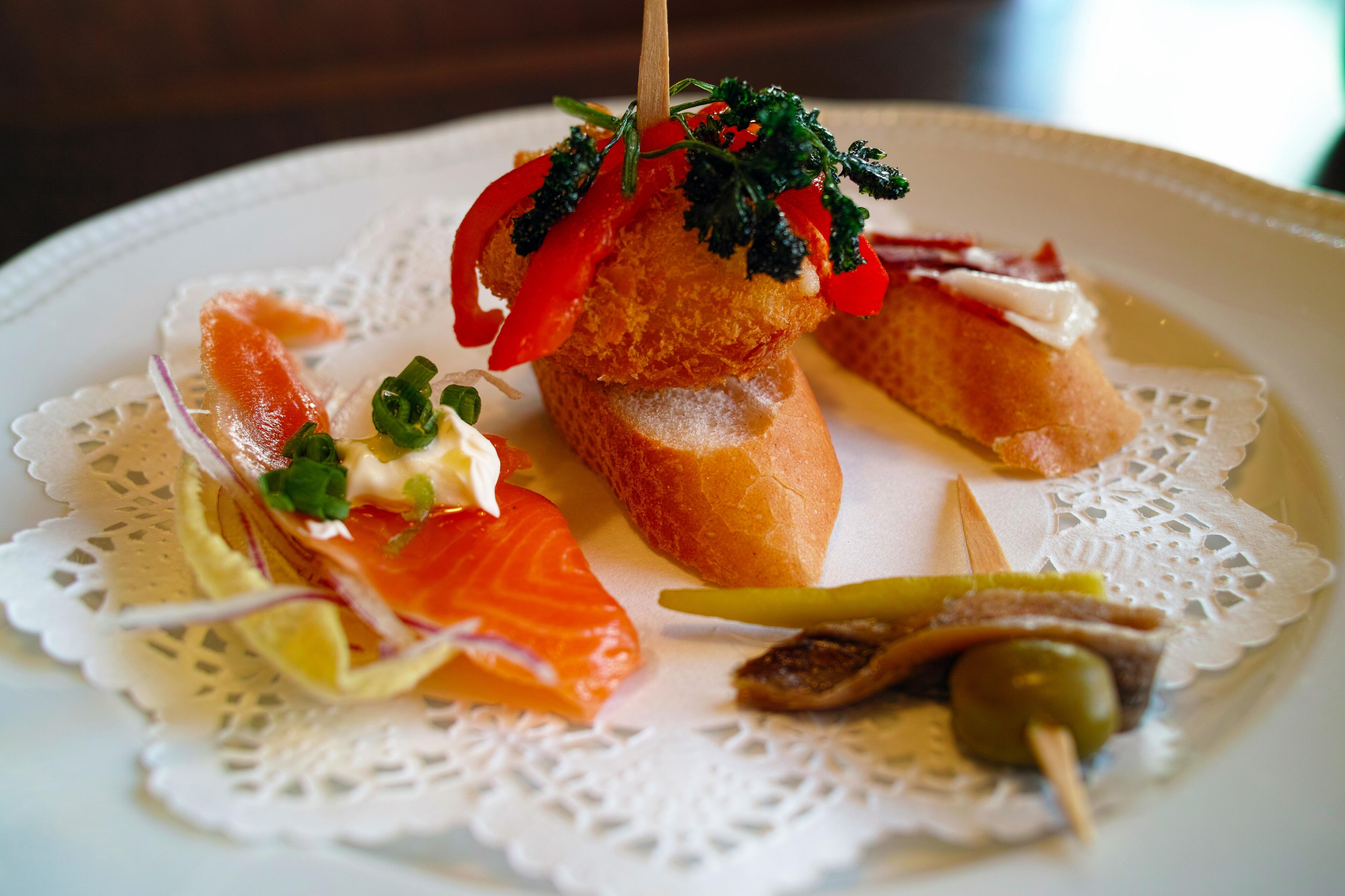 Gratis afbeeldingen restaurant schotel maaltijd for Restaurant canape