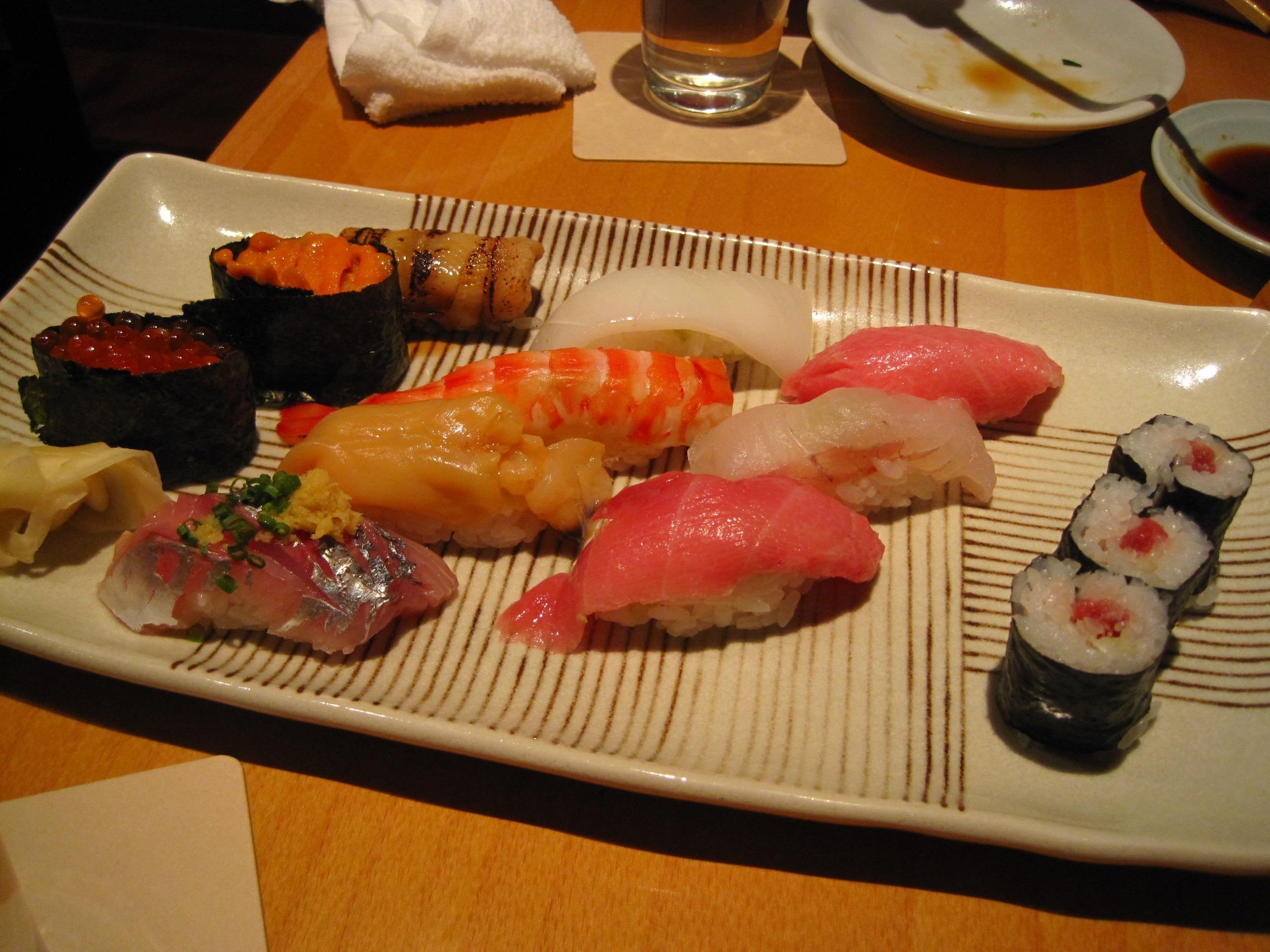 restaurante plato comida comida pescado japn almuerzo cocina arroz comida asitica sushi sashimi japons rodar crudo