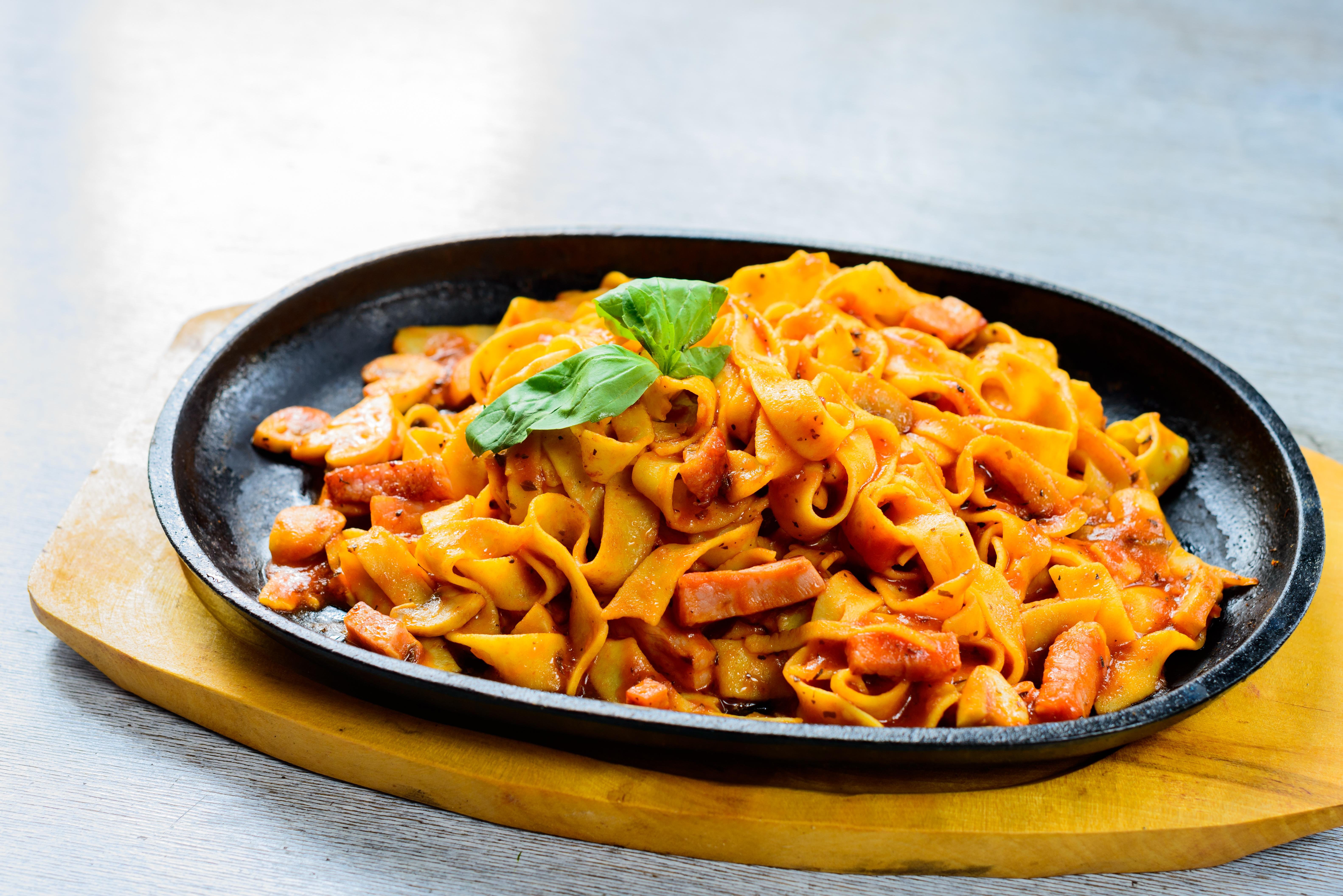 Fotos gratis restaurante plato produce vegetal men for Restaurantes de comida italiana