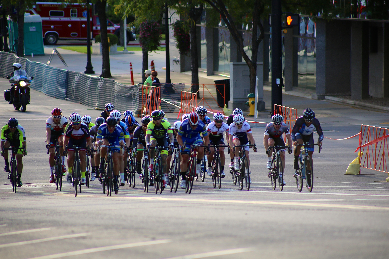 eab13945d ... vozidlo, cvičenie, rýchlosť, aktivita, športové vybavenie, vonku, jazda  na bicykli, dostihy, závodisko, biker, cestná cyklistika, rekreáciu v  prírode, ...