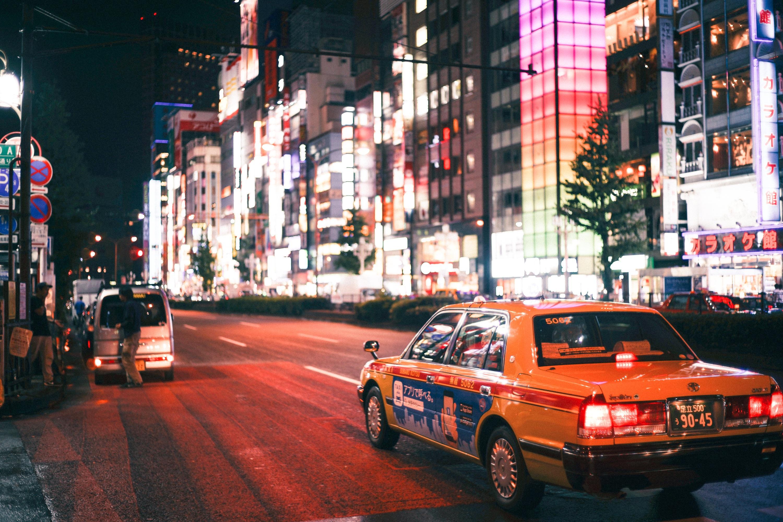 Kostenlose Foto Strasse Auto Taxi Fahrzeug Fahrbahn Stadtlicht