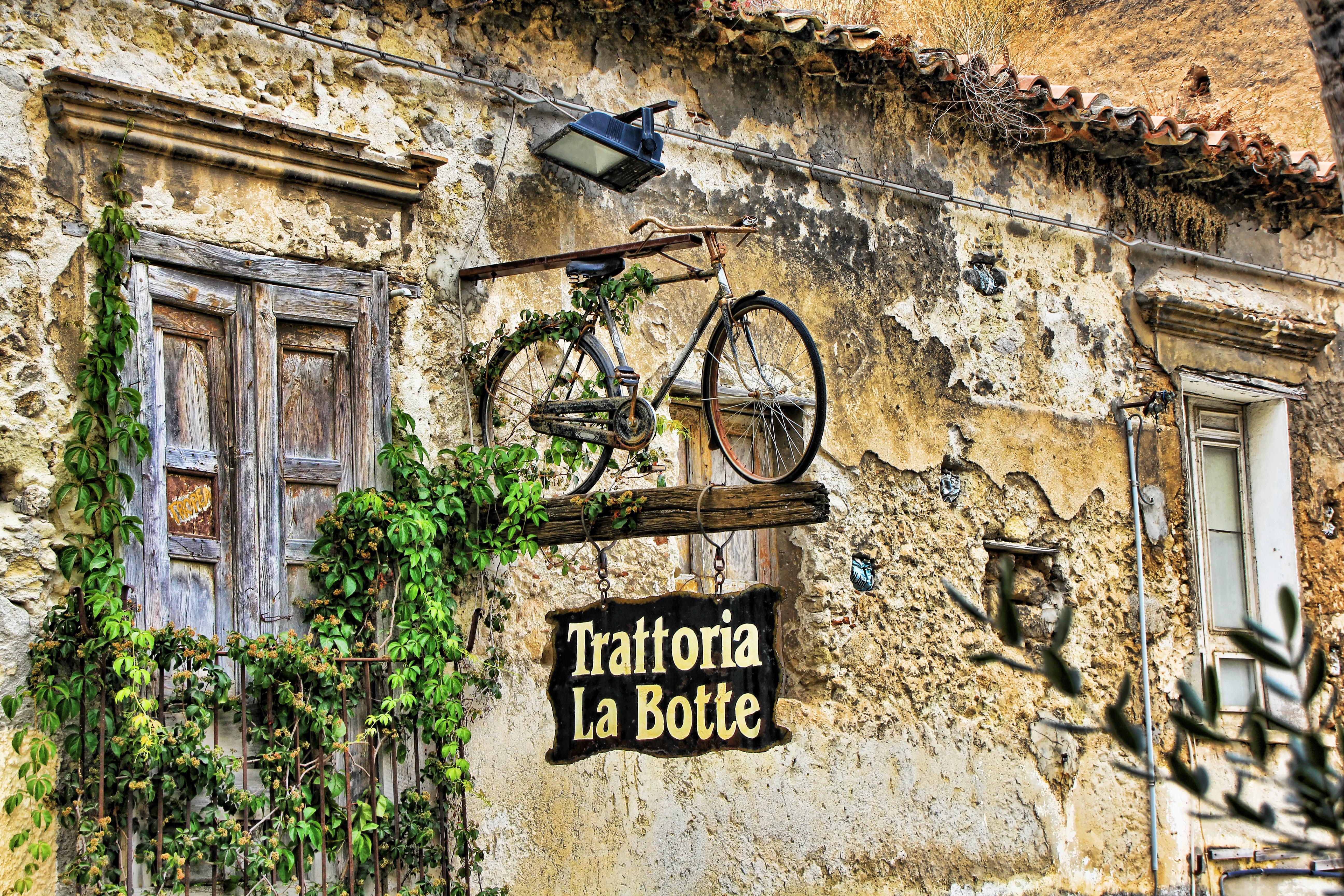 Images Gratuites : route, rue, fenêtre, ruelle, bicyclette, mur ...