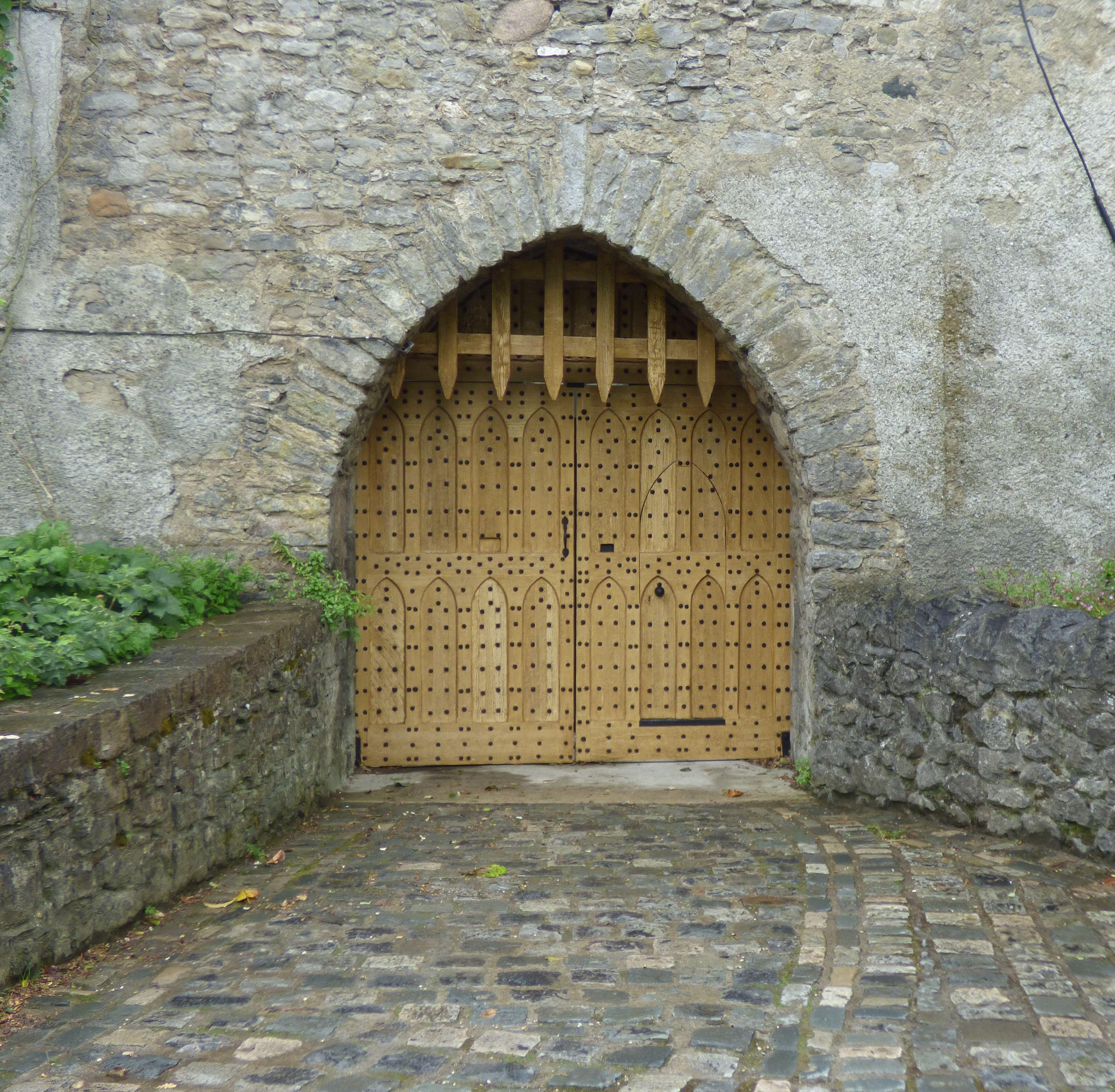 rock edificio antiguo pared piedra monumento arco entrada castillo turismo capilla exterior atraccin turismo