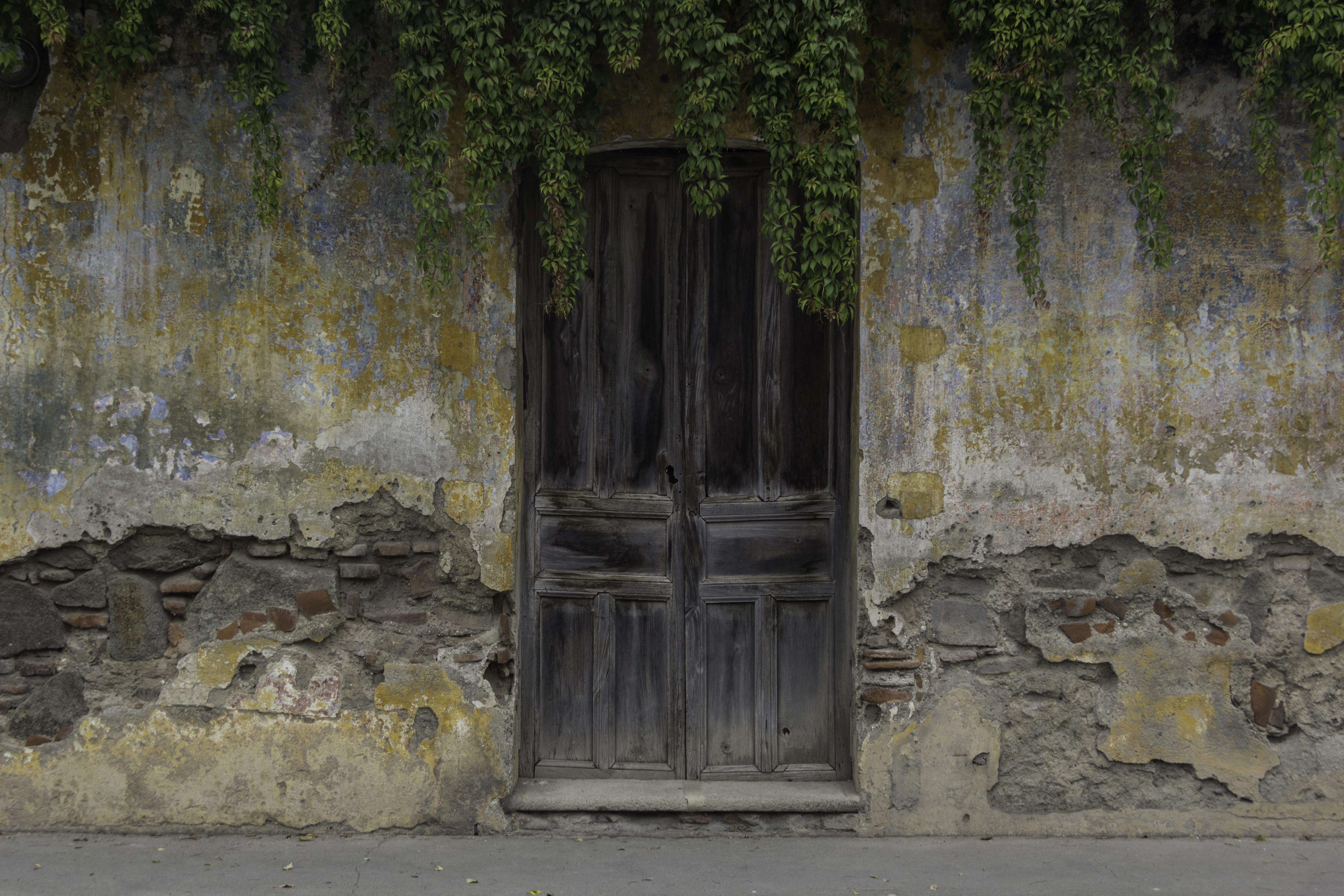Fotos gratis rock arquitectura madera antiguo pared for Imagenes de puertas de madera antiguas