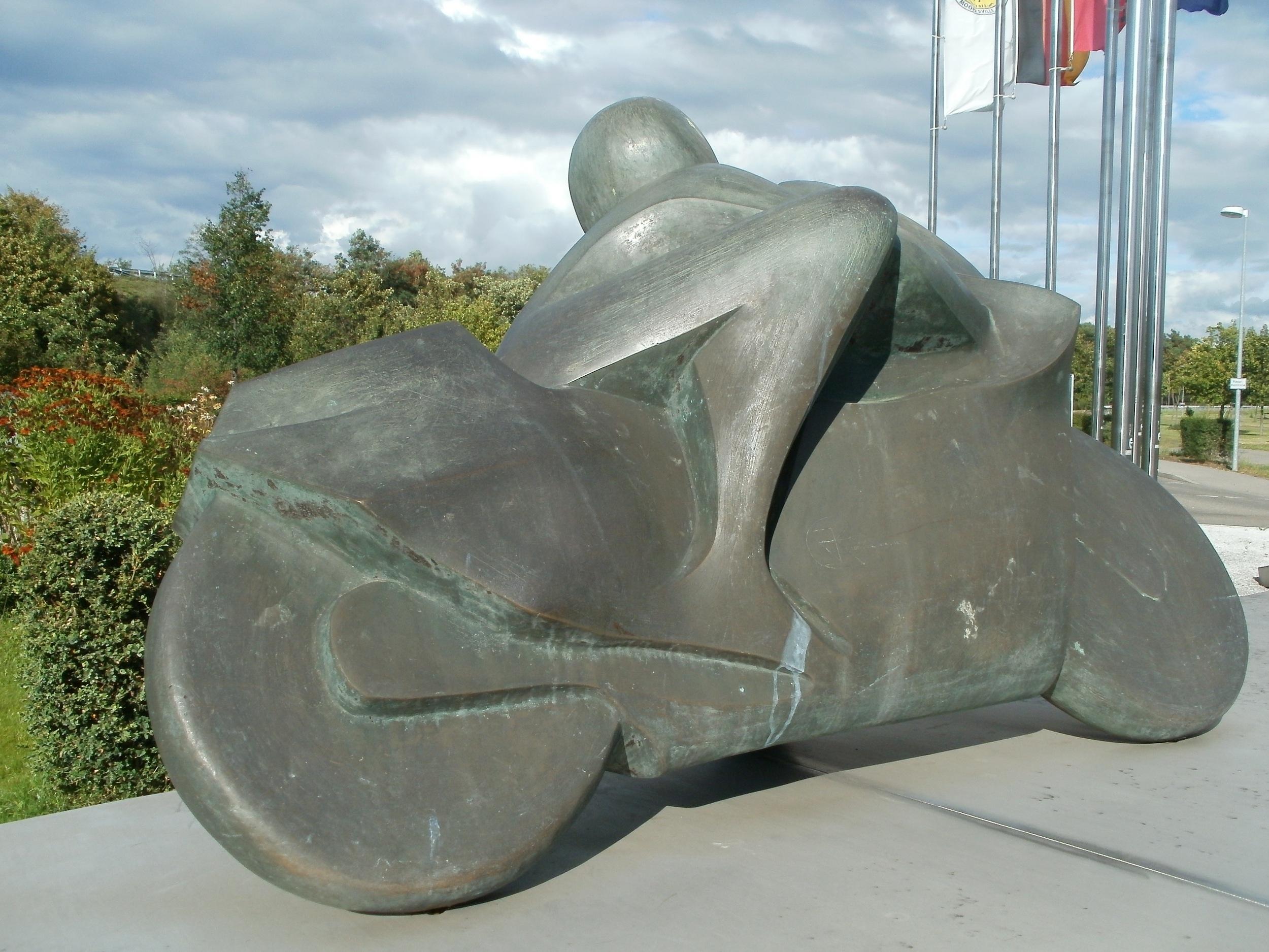 Immagini belle roccia bicicletta monumento ciclista - Sculpture exterieure metal ...