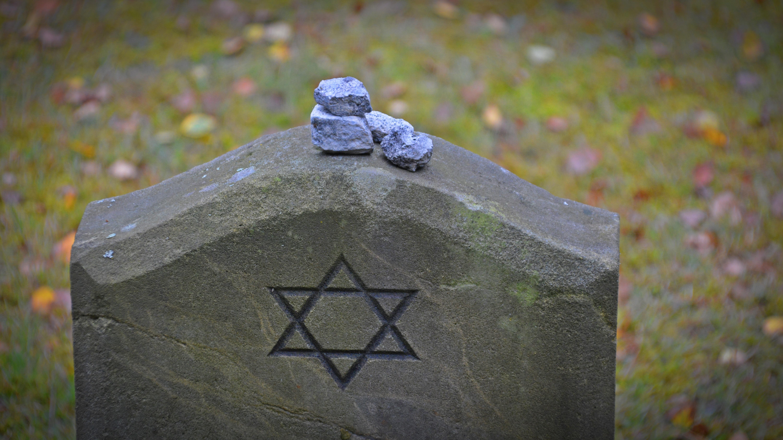 Fotos gratis : rock, hoja, Monumento, verde, color, otoño, azul ...